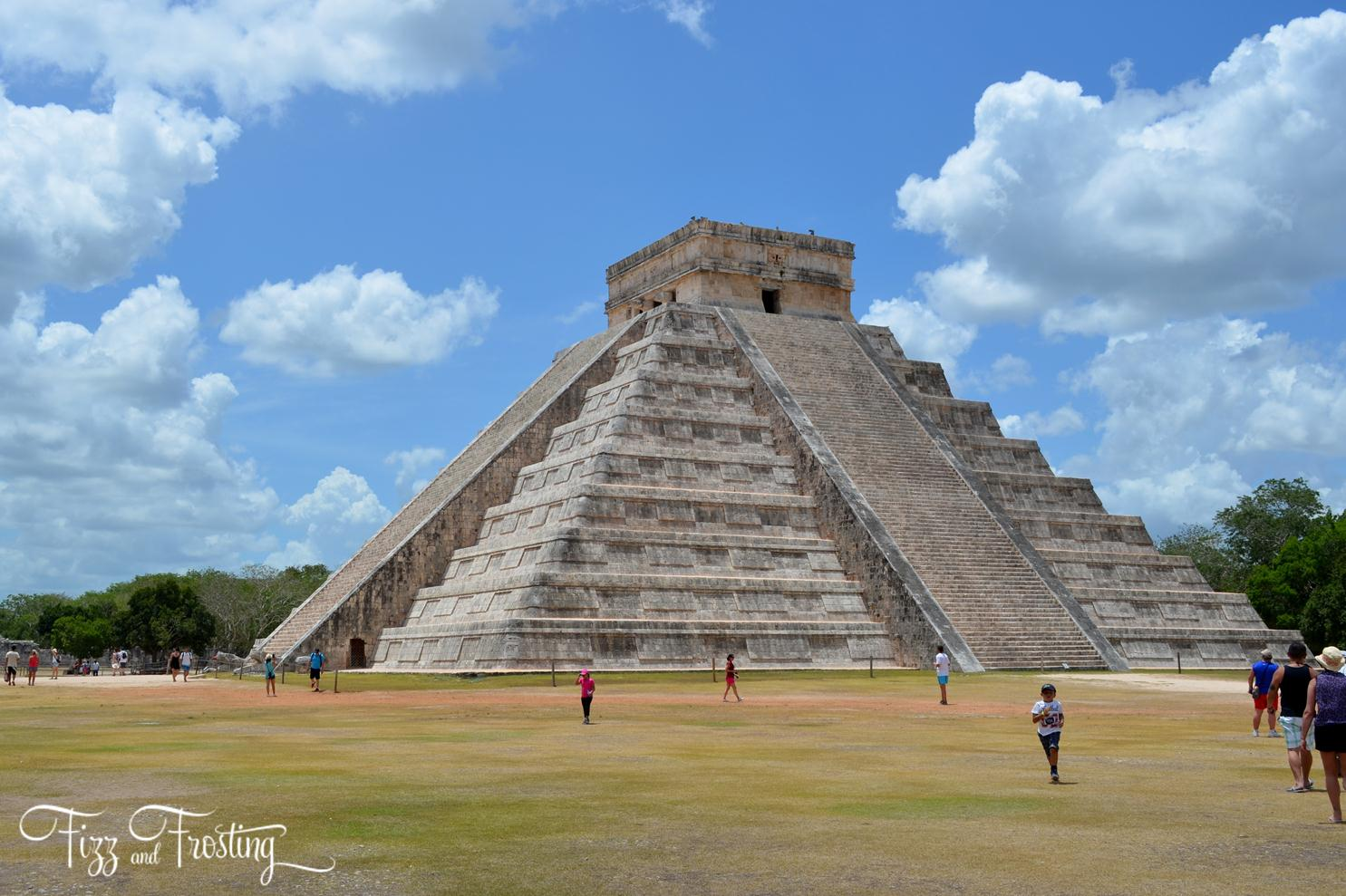 Must see sites near Riviera Maya Mexico - Visiting Chichen Itza temples. Click through to see about the other sites you won't want to miss! | www.bylaurenm.com