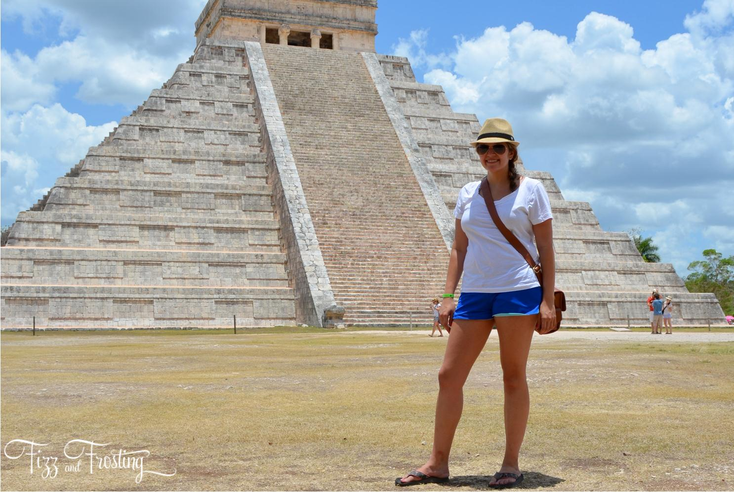 Sites to see near Cancun - Visiting Chichen Itza temples. Click through to see about the other sites you won't want to miss! | www.bylaurenm.com