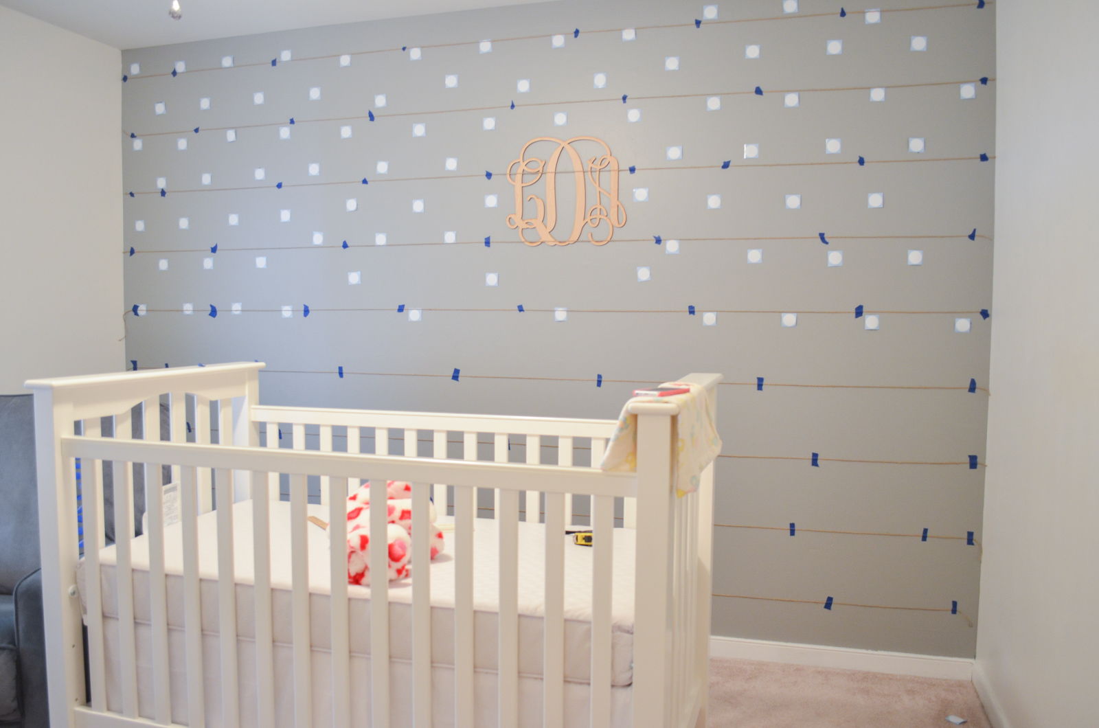 Simple diy polka dot wall easy instructions for polka dot wall bylaurenm