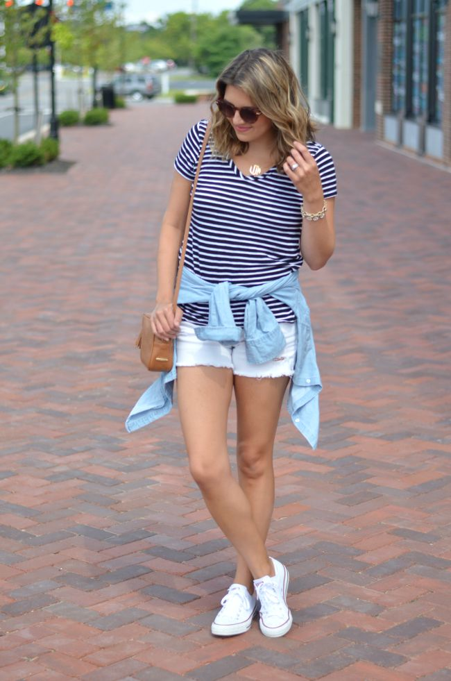 wear chambray around waist via @fizzandfrosting