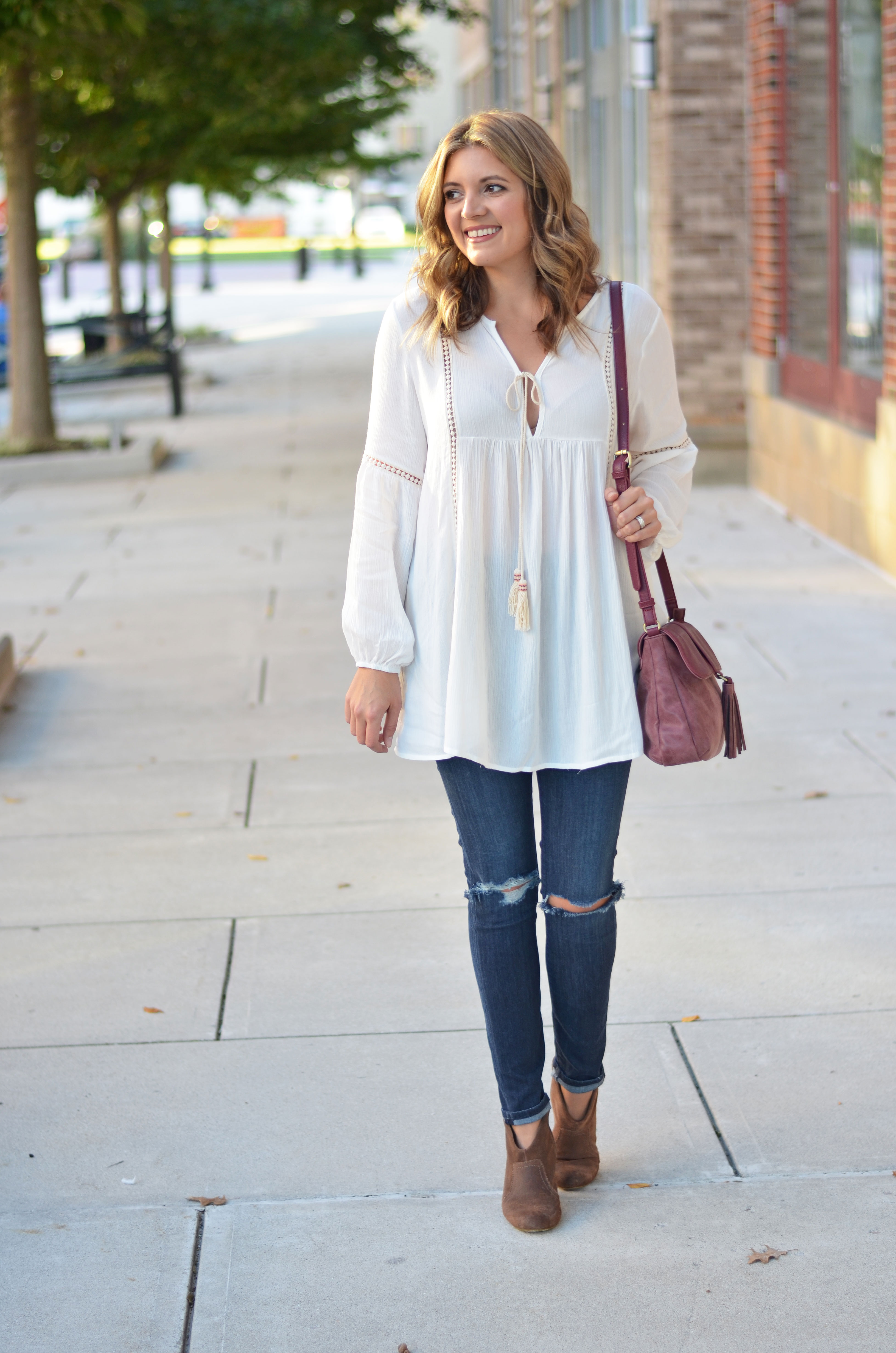 cute peasant top outfit - fall style - white peasant top with distressed skinny jeans and tan suede booties | www.bylaurenm.com