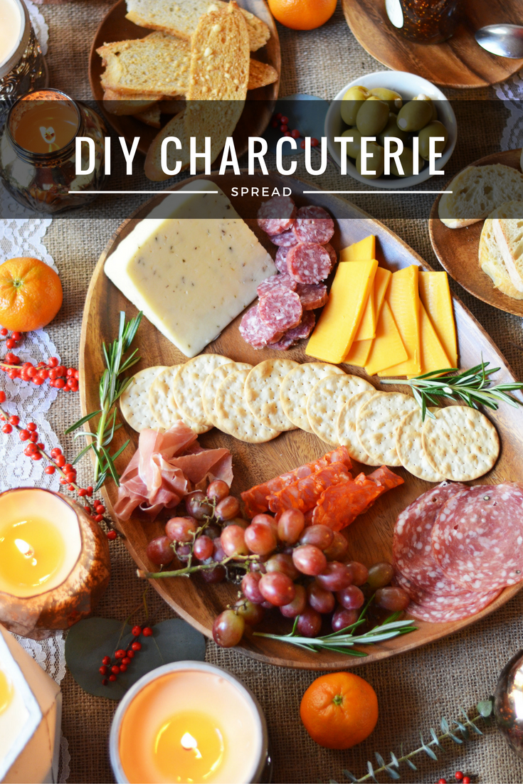 perfect holiday charcuterie spread | www.bylaurenm.com