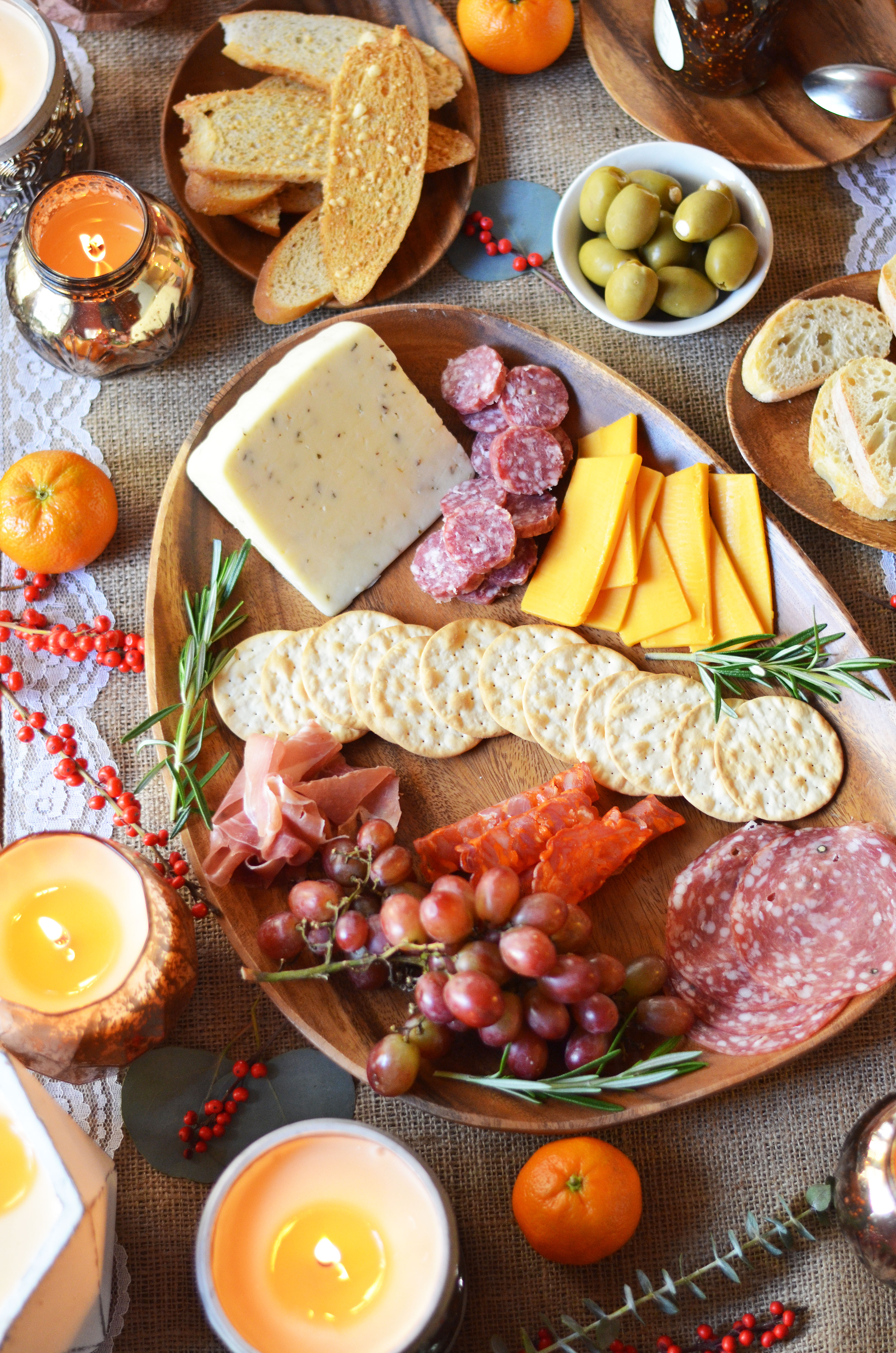 perfect charcuterie board for entertaining - diy charcuterie board | www.bylaurenm.com