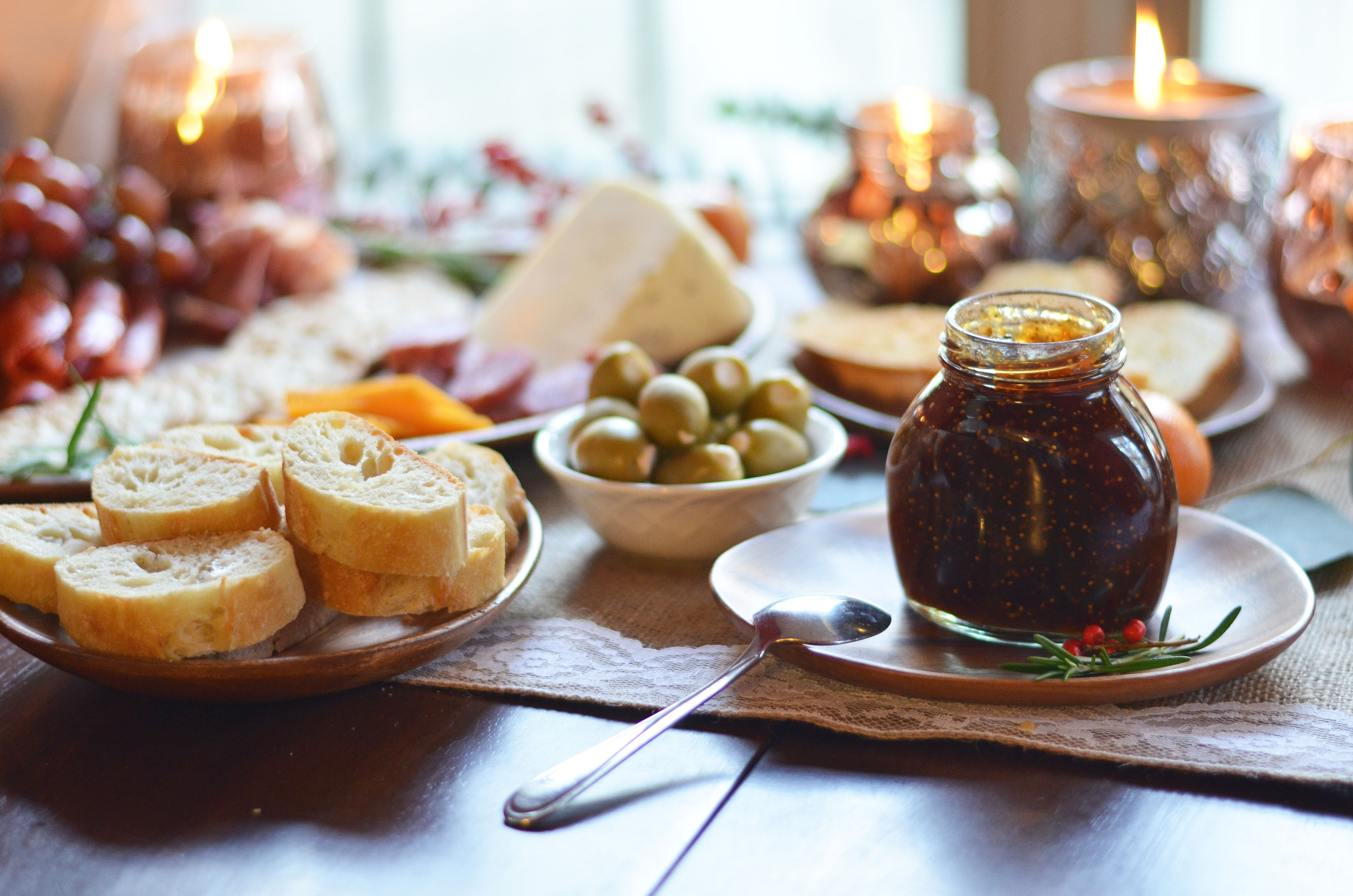 diy meat and cheese plate for entertaining - diy holiday charcuterie spread | www.bylaurenm.com