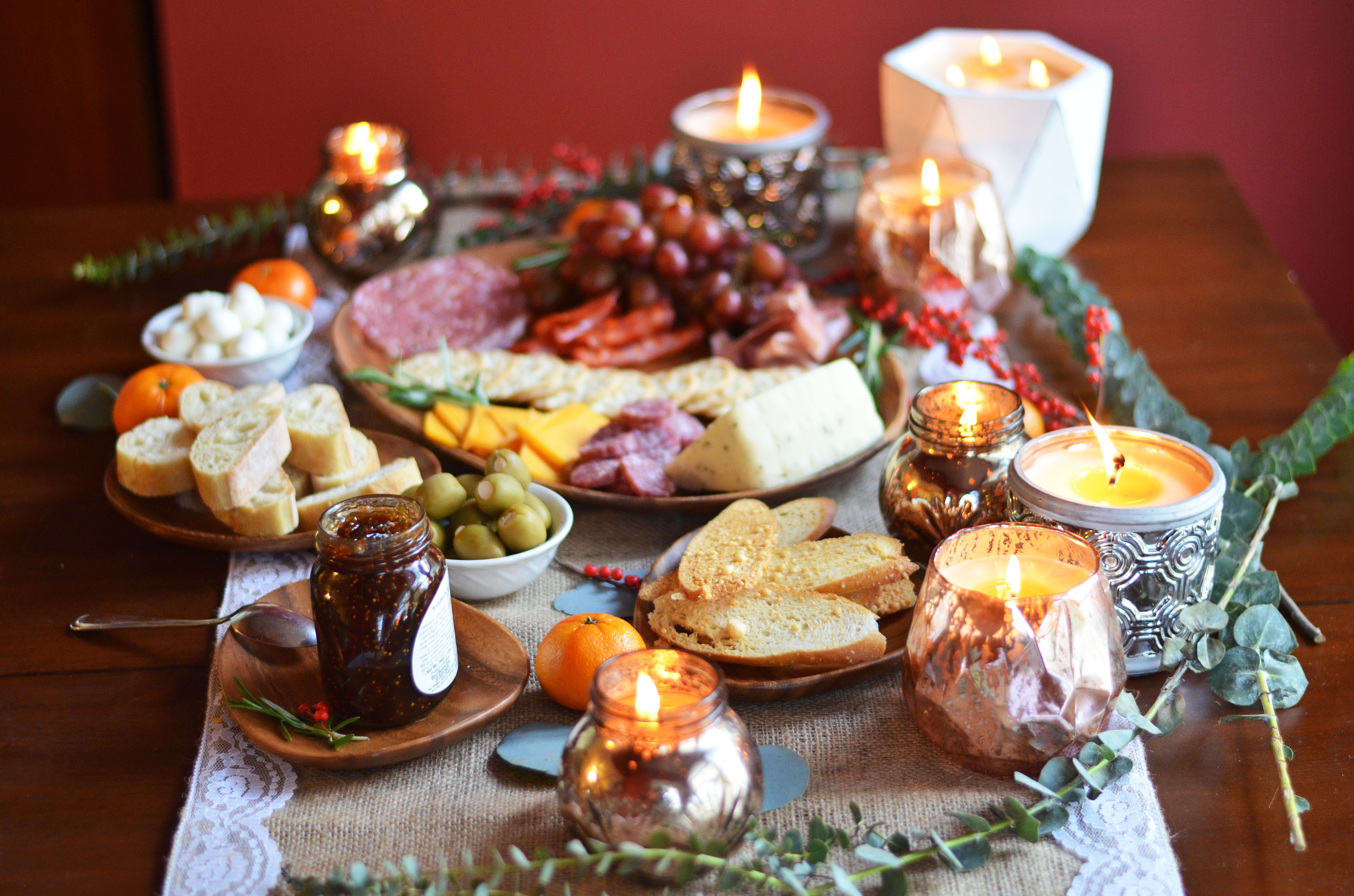 create perfect holiday charcuterie spread - meat and cheese plate | www.bylaurenm.com