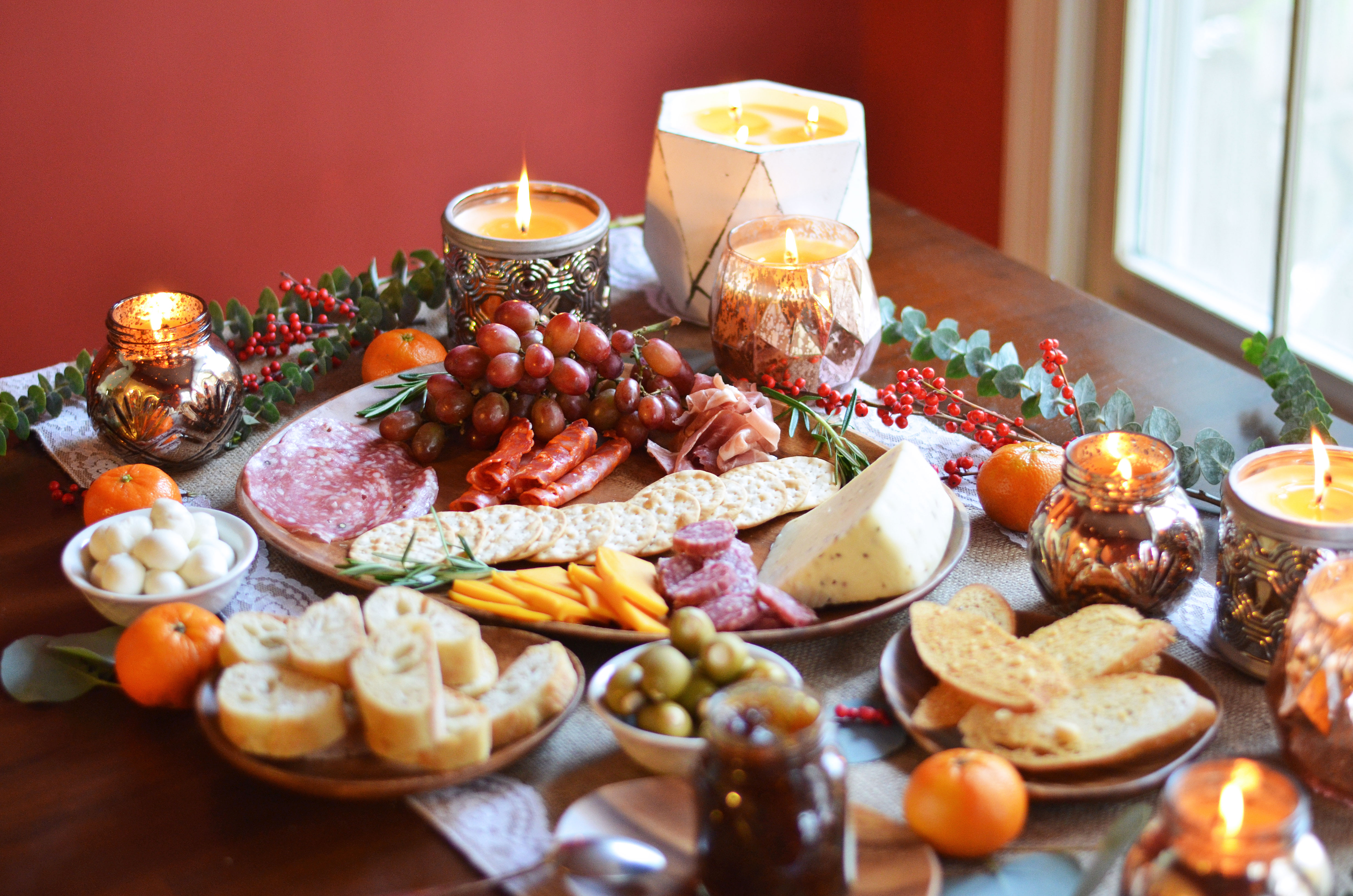 holiday charcuterie spread - diy meat and cheese plate | www.bylaurenm.com