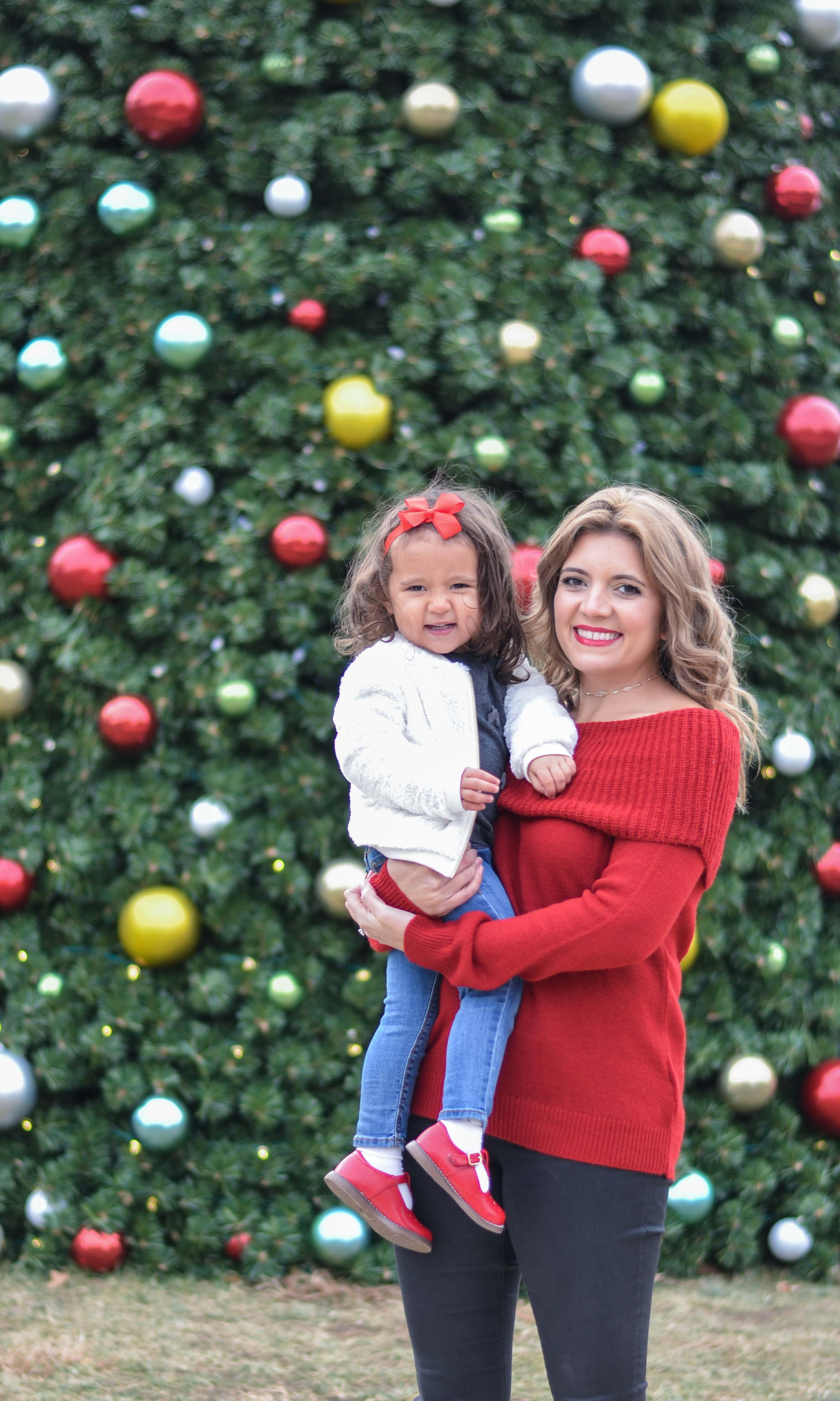 family christmas outfit - mama toddler daughter outfits | www.bylaurenm.com