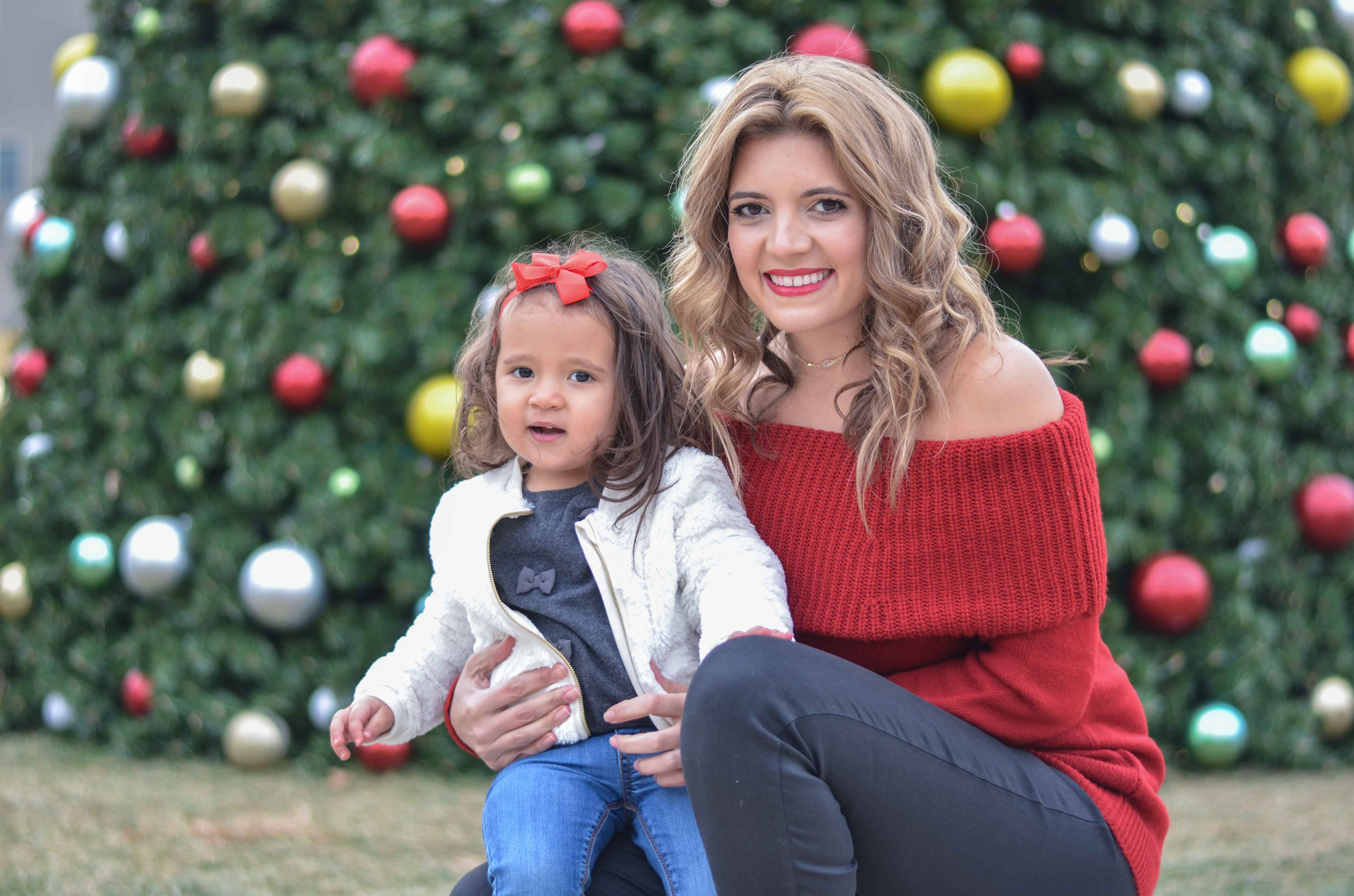christmas family outfits - mother toddler girl outfit for holidays | www.bylaurenm.com