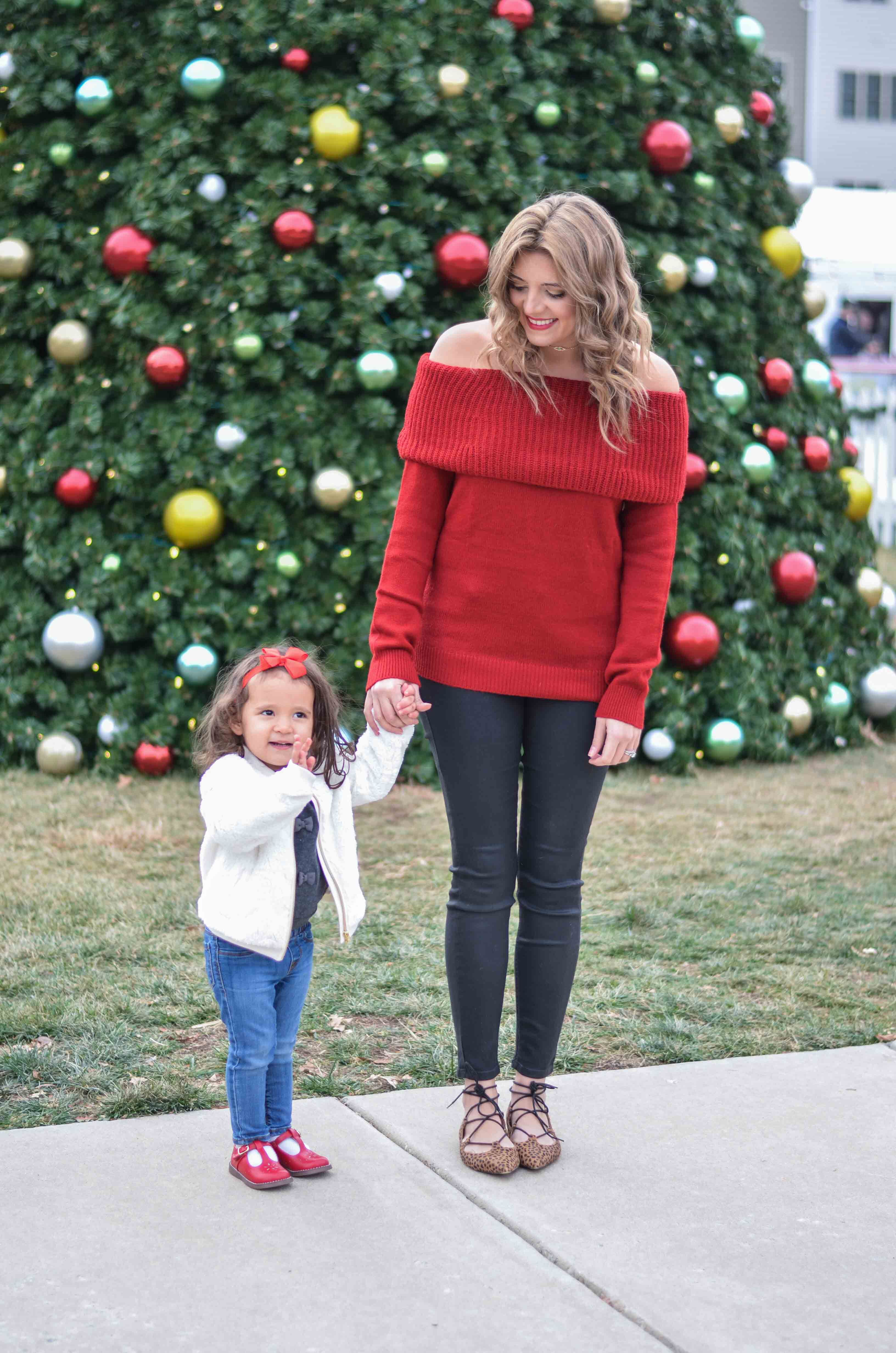 mommy toddler girl holiday outfits | www.bylaurenm.com