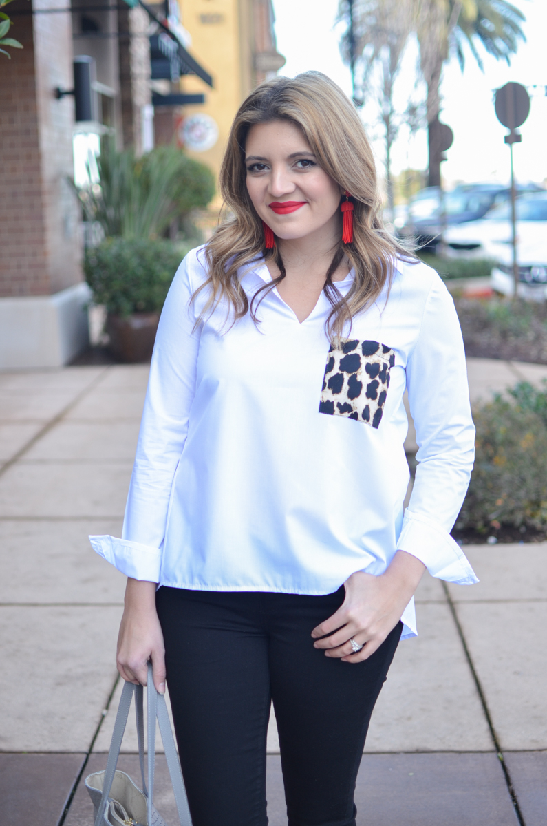 red lipstick outfit with cheetah print pocket - click through for more weekend outfits and to shop this look (including this top under $18)! | www.bylaurenm.com