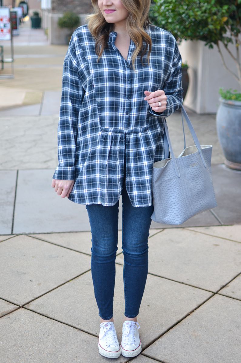 plaid tunic, skinny jeans, and sneakers outfit. Click through for more casual outfits or to shop this look! | www.bylaurenm.com