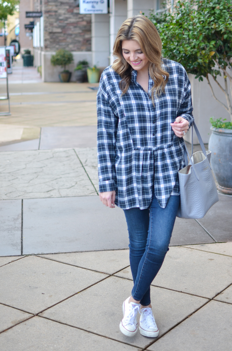 plaid tunic top with skinny jeans and sneakers. Click through for more casual outfits or to shop this look! | www.bylaurenm.com