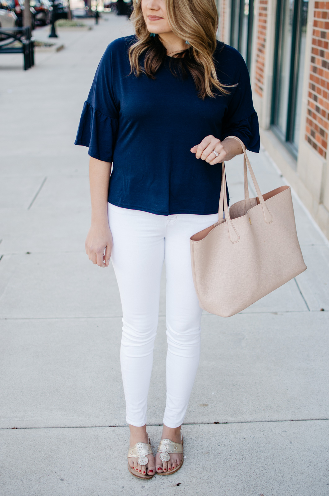 simple outfit for spring - Want more cute spring outfits? Head to bylaurenm.com!