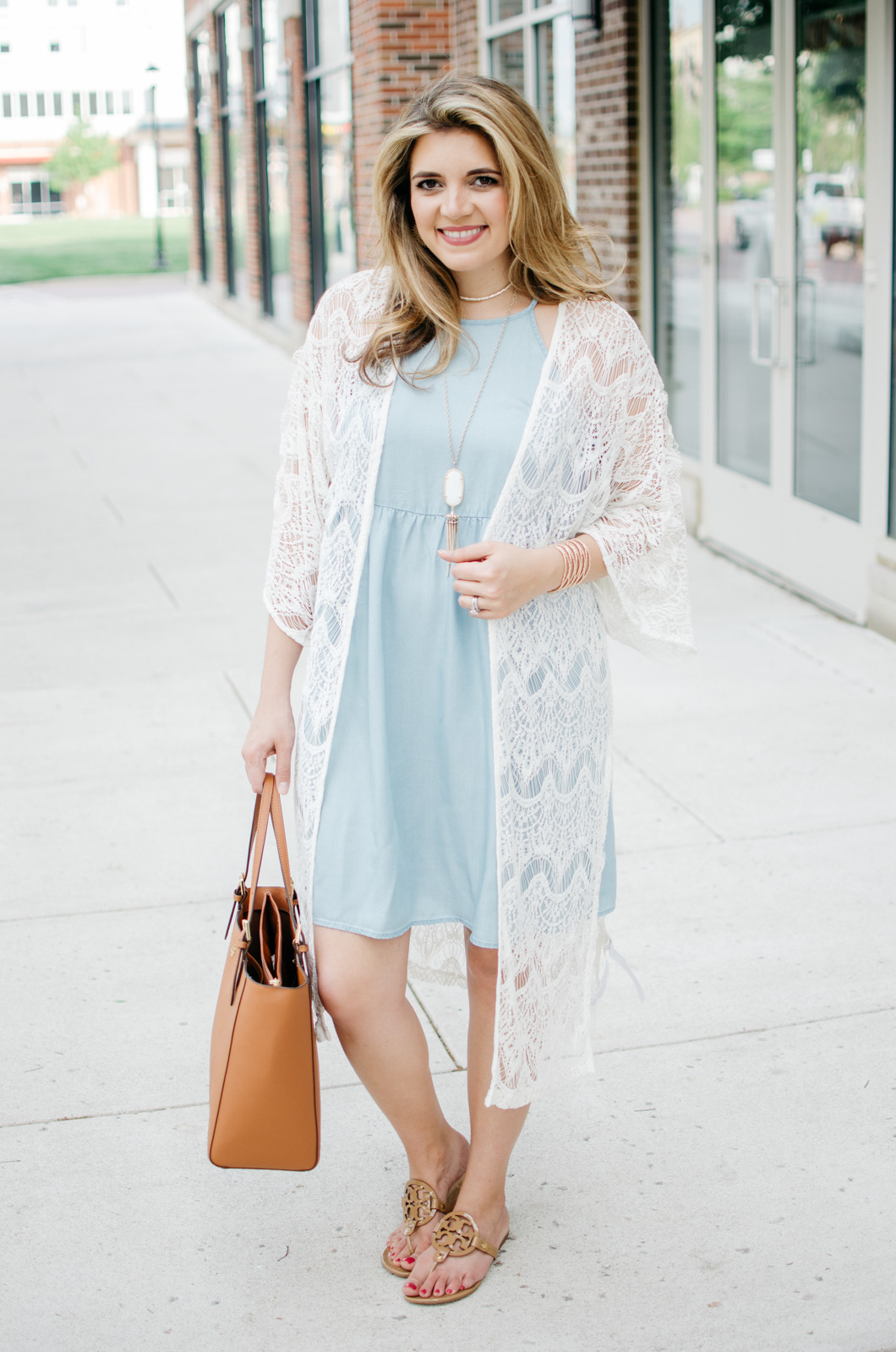 cute boho spring outfit | For more cute Spring outfits, head to bylaurenm.com