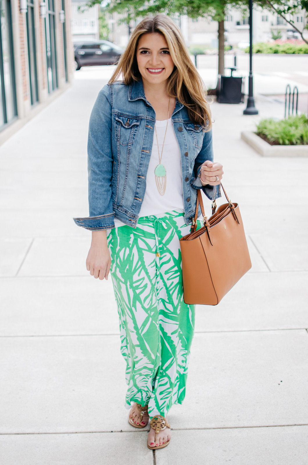 printed pants spring outfit - lilly pulitzer outfits | For more Spring and Summer outfits, head to bylaurenm.com!