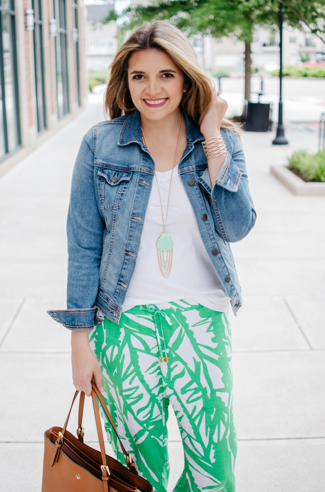 lilly pulitzer printed pants outfit - palm print pants | For more Spring and Summer outfits, head to bylaurenm.com!