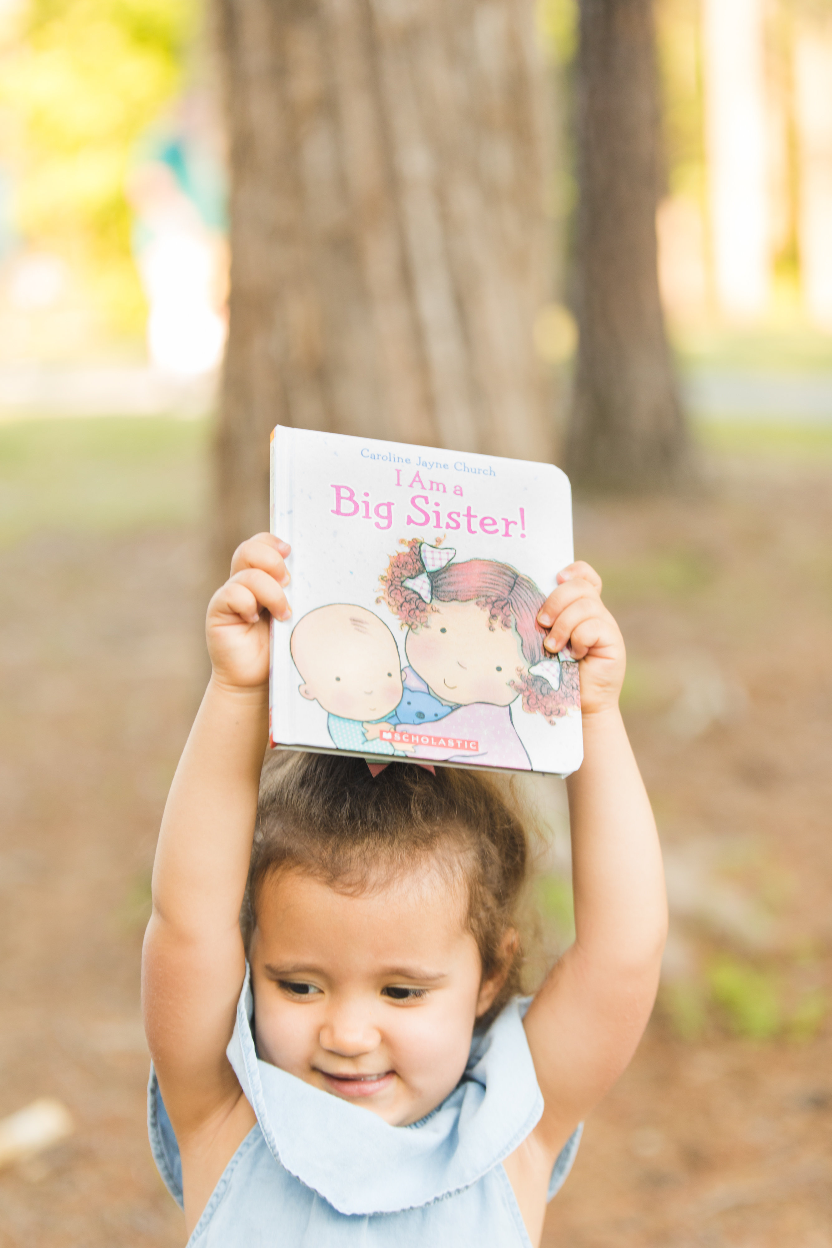 big sister pregnancy announcement | bylaurenm.com