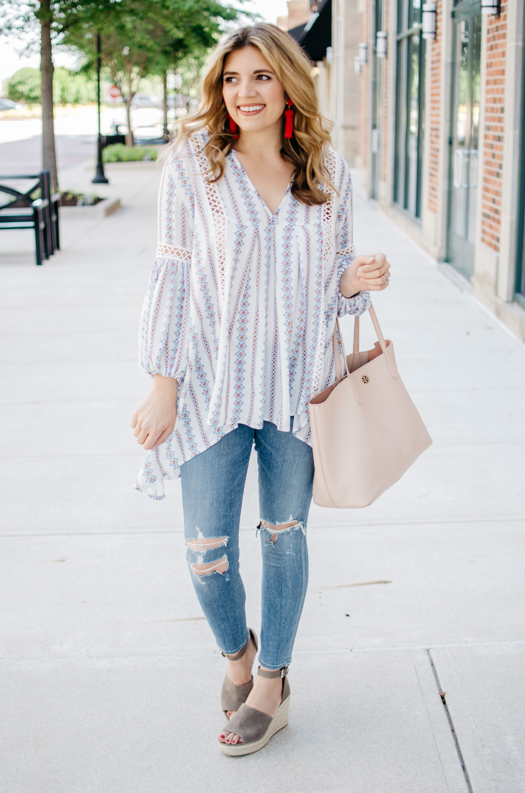 boho outfit ideas - perfect boho top | For more cute outfit ideas, head to bylaurenm.com