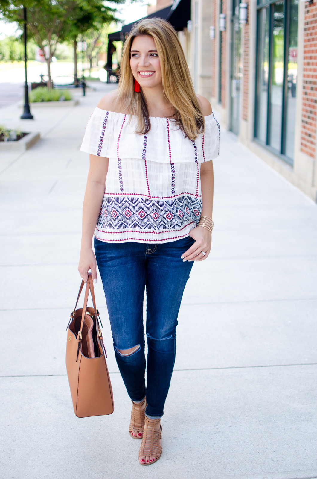 red, white, and blue summer outfit idea | For more Summer outfit ideas, head to bylaurenm.com!