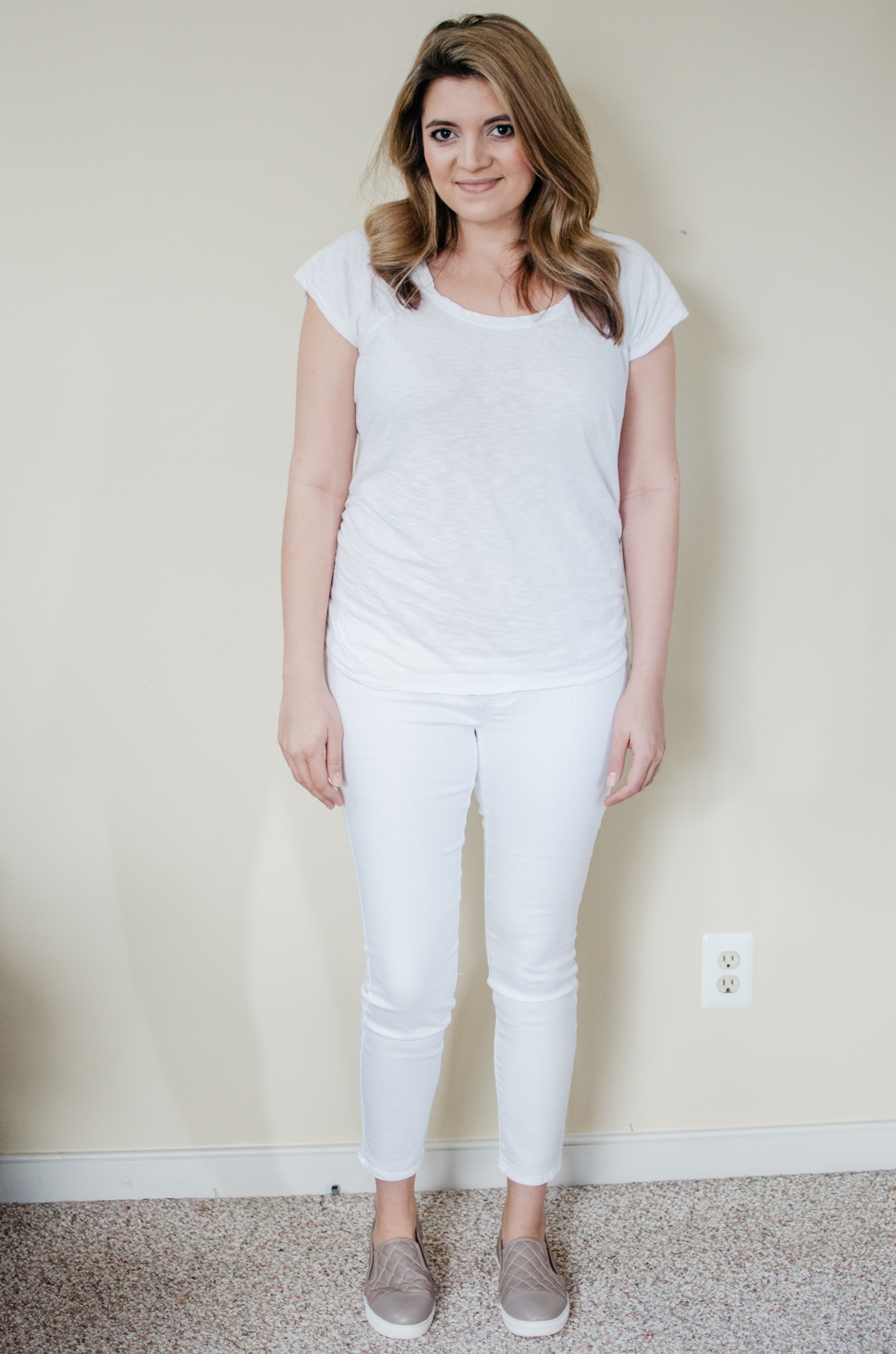 LED Luxe Essentials maternity jeans review | See reviews of over 15 maternity jeans brands by clicking through to this post! | bylaurenm.com