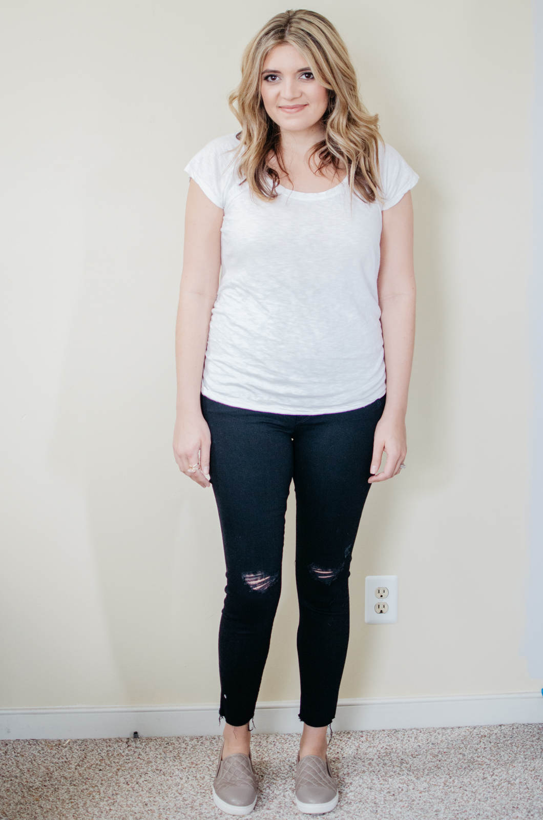 Mother maternity jeans review - Mother looker maternity | See reviews of over 15 maternity jeans brands by clicking through to this post! | bylaurenm.com
