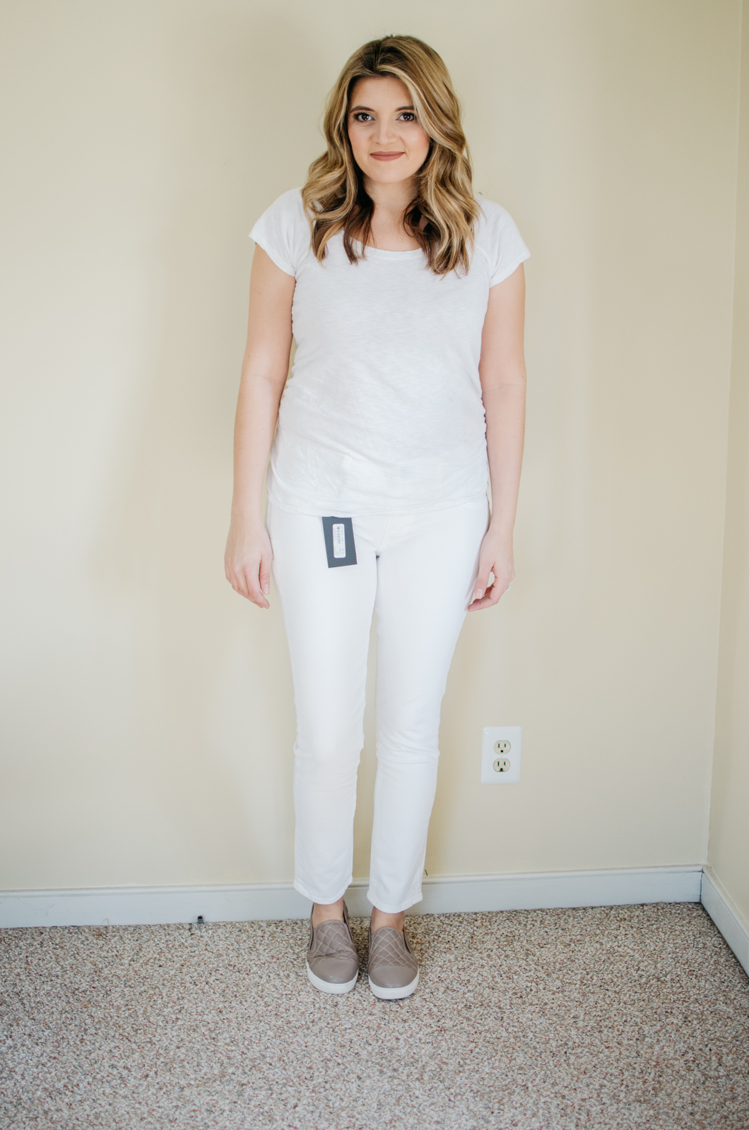 Paige skyline maternity jeans review - best maternity jeans | See reviews of over 15 maternity jeans brands by clicking through to this post! | bylaurenm.com