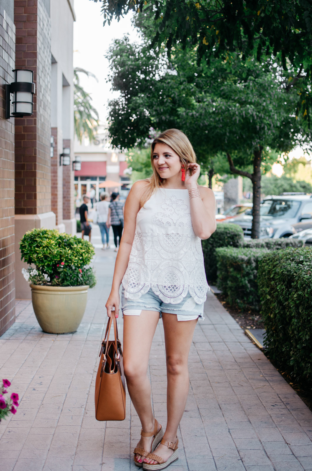 cute summer outfit idea - best cutoff denim shorts | For more cute summer outfit ideas, head to bylaurenm.com!