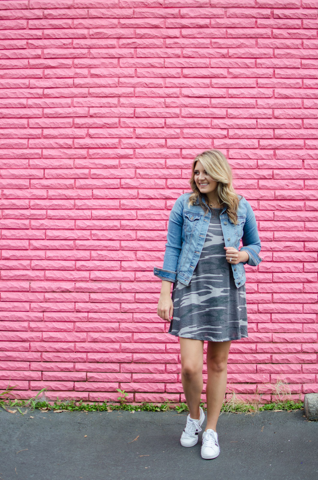 early fall outfit idea - camo tshirt dress outfit | For more cute Fall outfits, go to bylaurenm.com!
