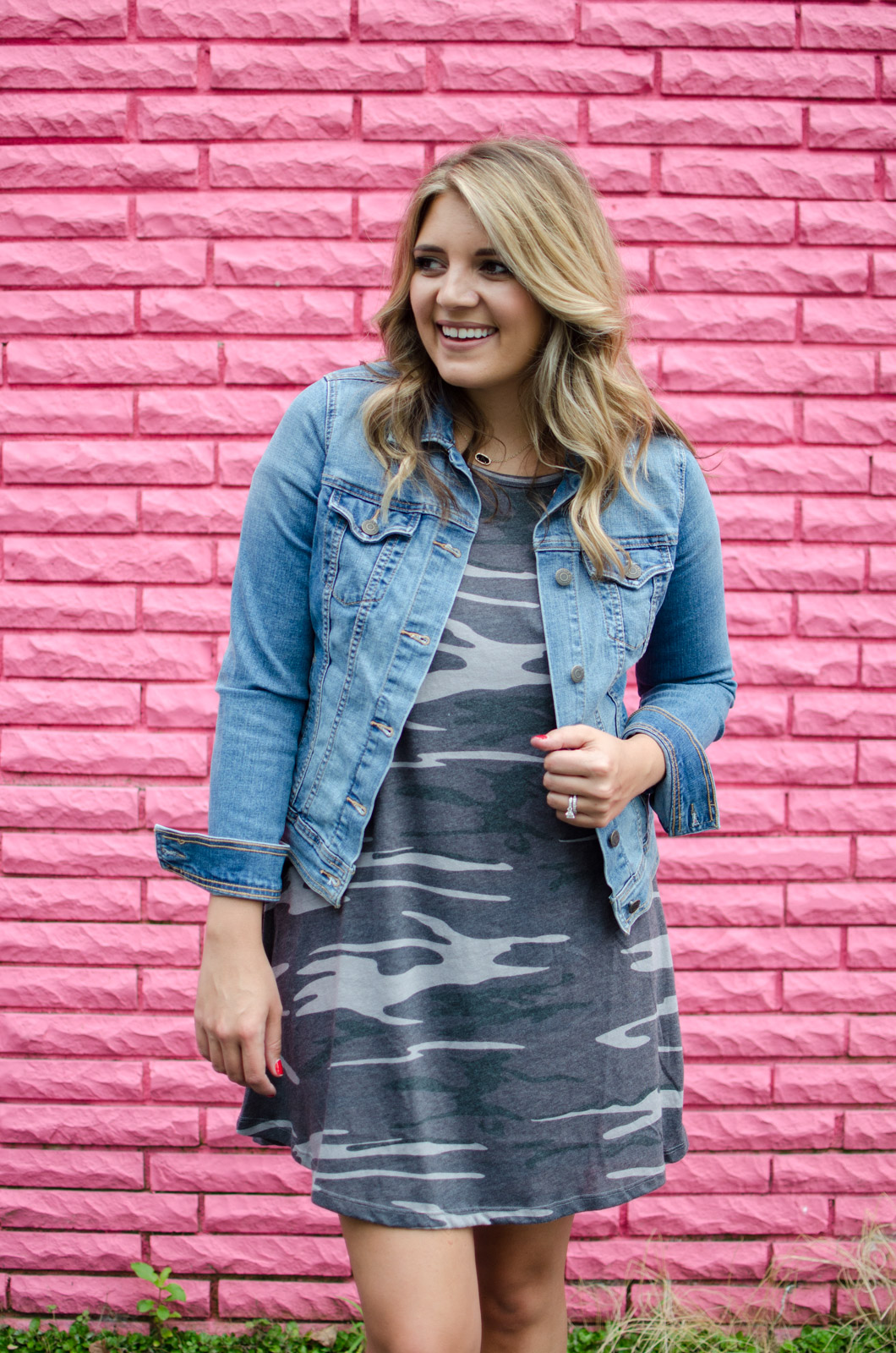 early fall outfit - camo tshirt dress | For more cute Fall outfits, go to bylaurenm.com!