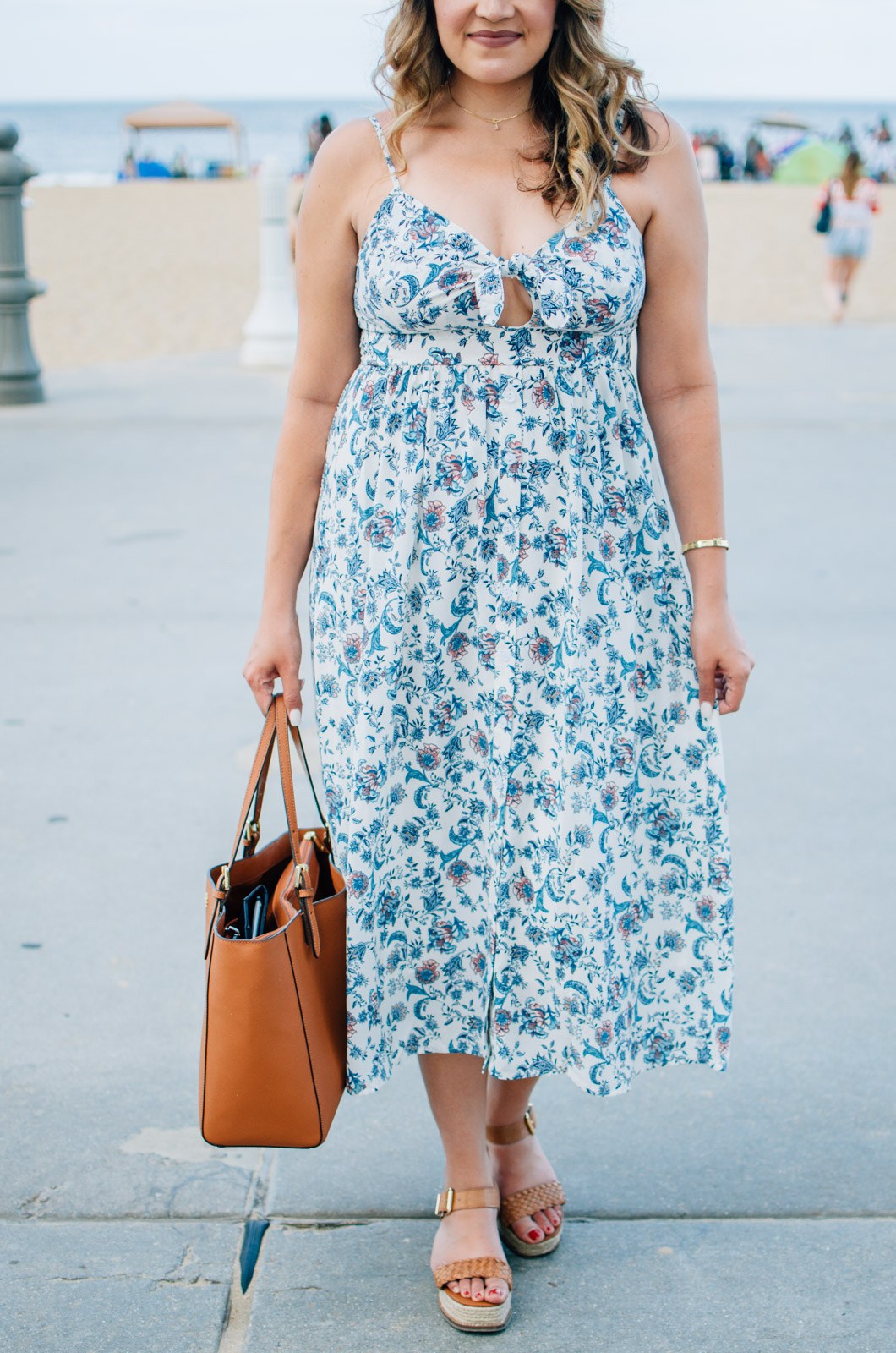 summer style - knot-front dress | For more cute vacation outfit ideas, head to bylaurenm.com!