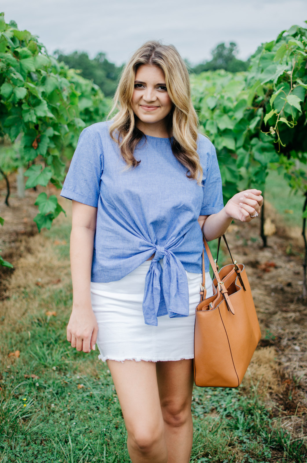 winery outfit idea - tie front top   Want more cute Summer outfits? Head to bylaurenm.com!