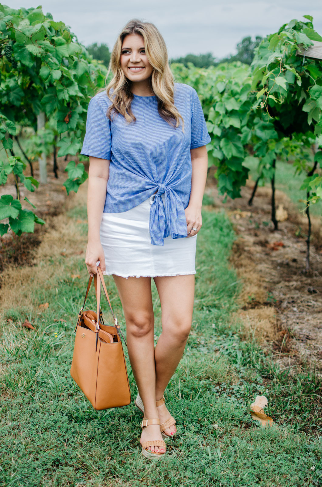 what to wear to a winery - tie front top | Want more cute Summer outfits? Head to bylaurenm.com!