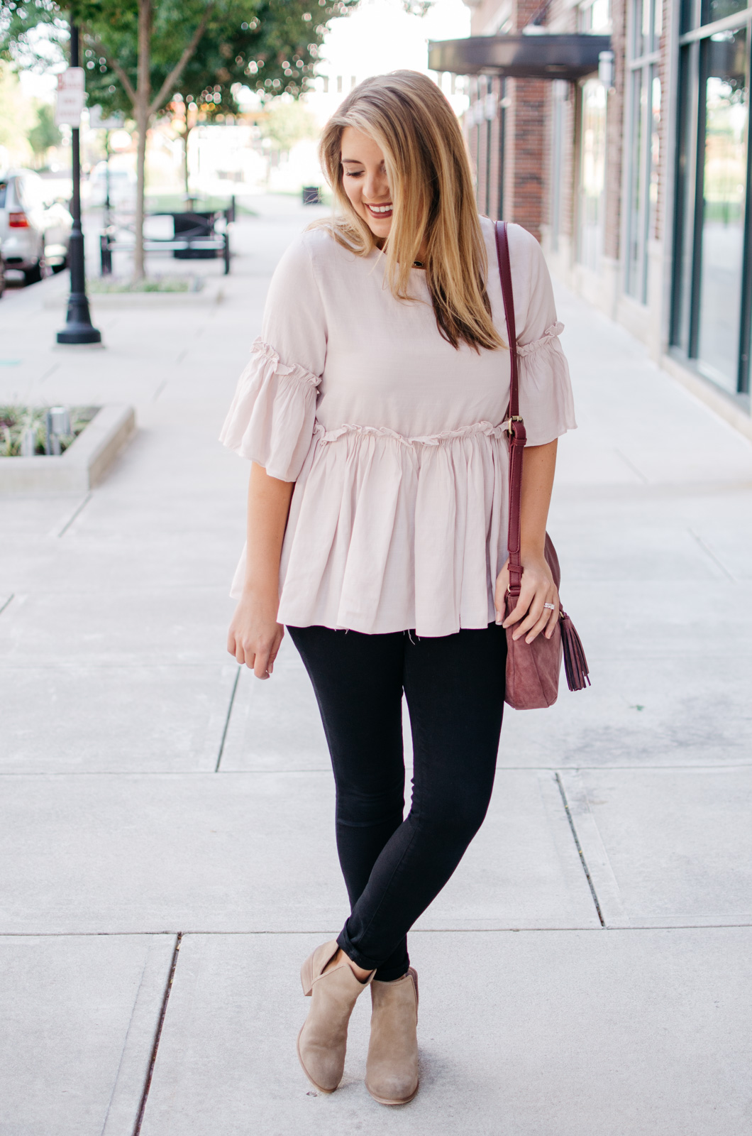 blush and burgundy fall outfit | For more cute weekend outfits, head to bylaurenm.com!