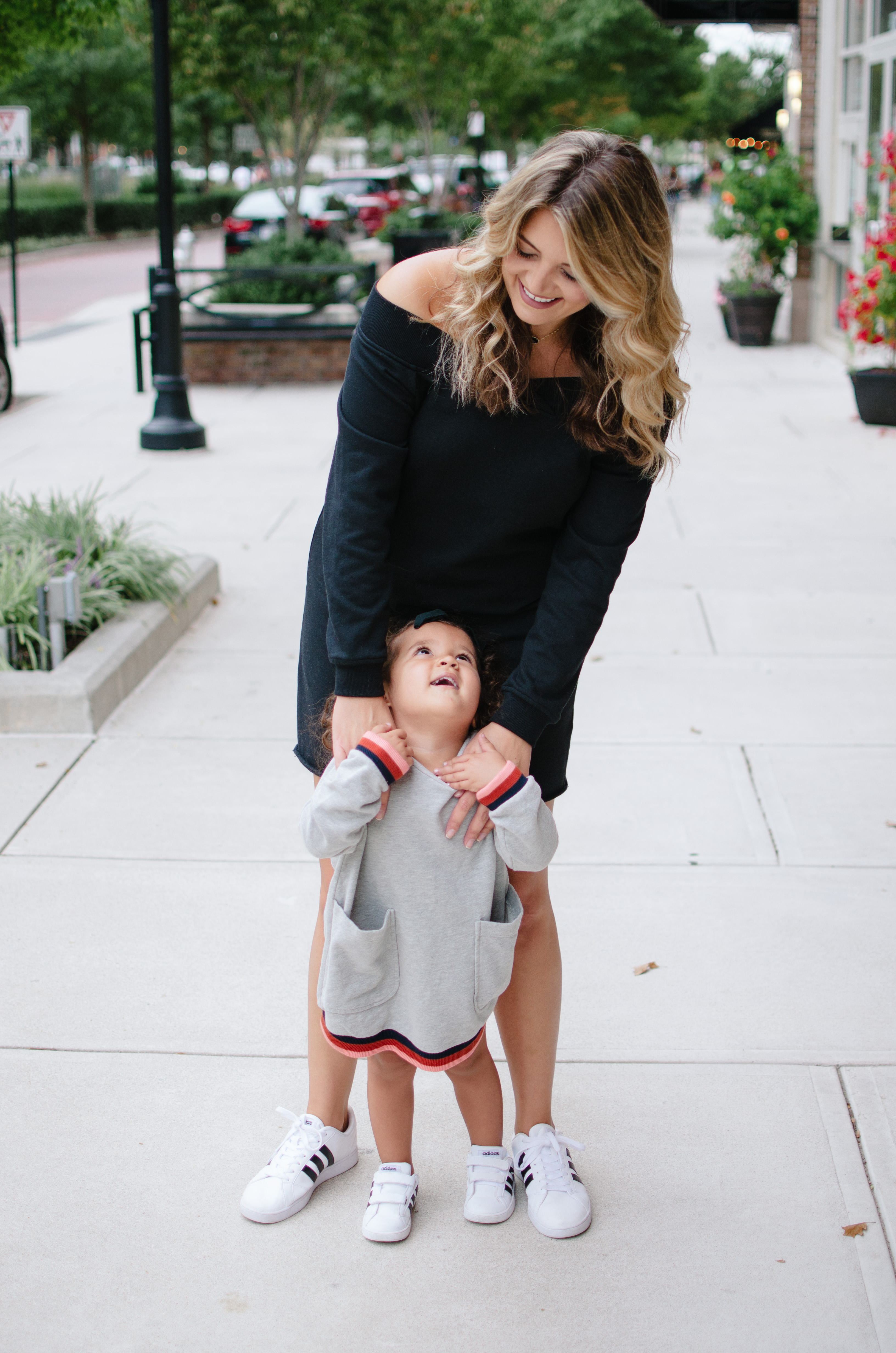 mommy and me fall outfits - mother daughter sweatshirt dresses | See more mommy and me outfits at bylaurenm.com!