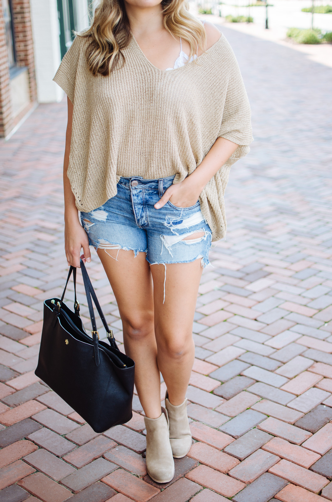 bralette sweater outfit - short sleeve sweater | For more fall transition outfits, go to bylaurenm.com!