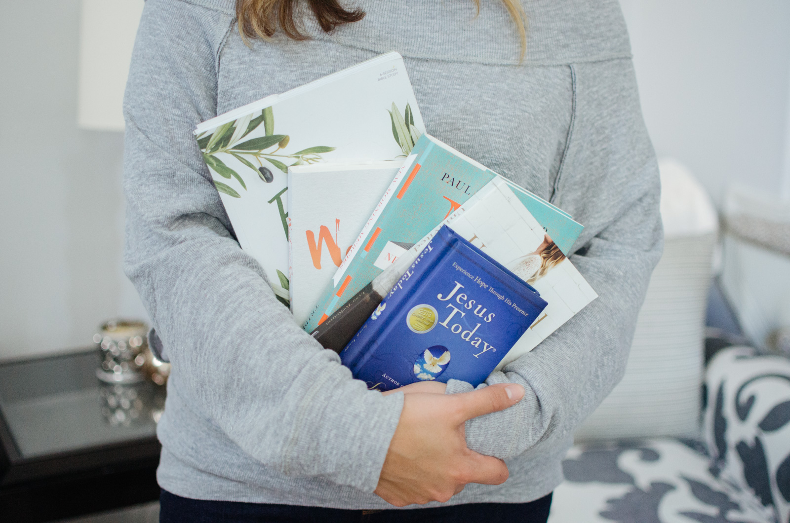 devotionals for women - top five must-read devotionals   Come see all the best encouraging daily devotionals. They are life-changing! bylaurenm.com