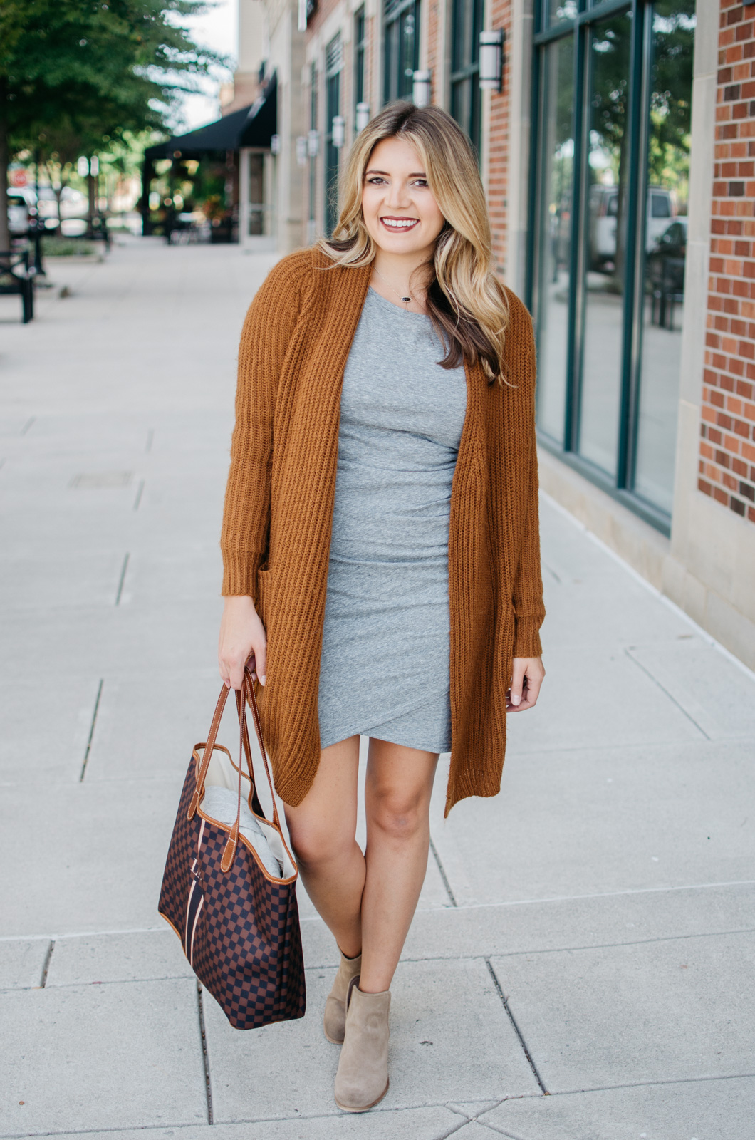 ruched dress casual outfit - two ways to wear a ruched dress | Click through to see how to wear this dress for date night! bylaurenm.com