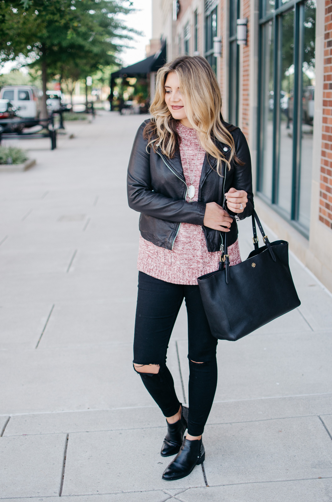 leather jacket sweater outfit - how to wear a sweater with a leather jacket | For more Fall outfit ideas, click through to bylaurenm.com!