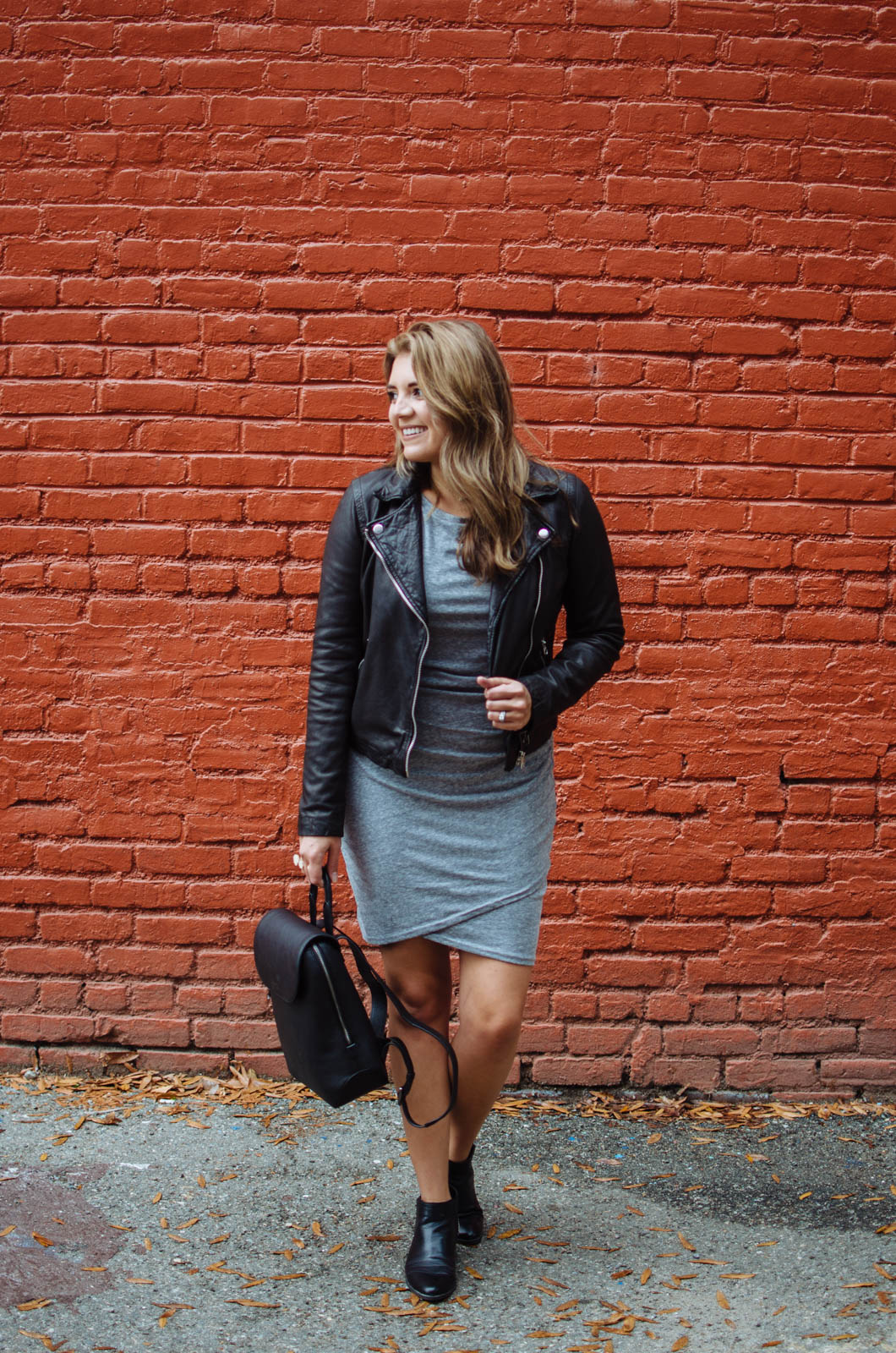 ruched dress date night outfit - two ways to wear a ruched dress | Click through to see how to wear this dress casually! bylaurenm.com