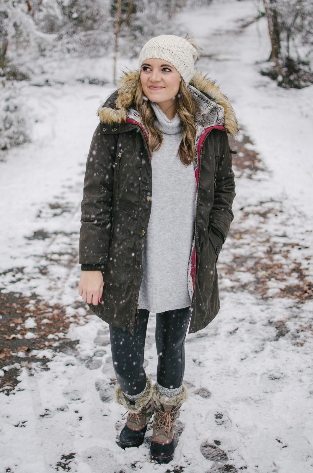snow outfit - warm snow day outfit | Get outfit details or see more Winter outfits at bylaurenm.com!