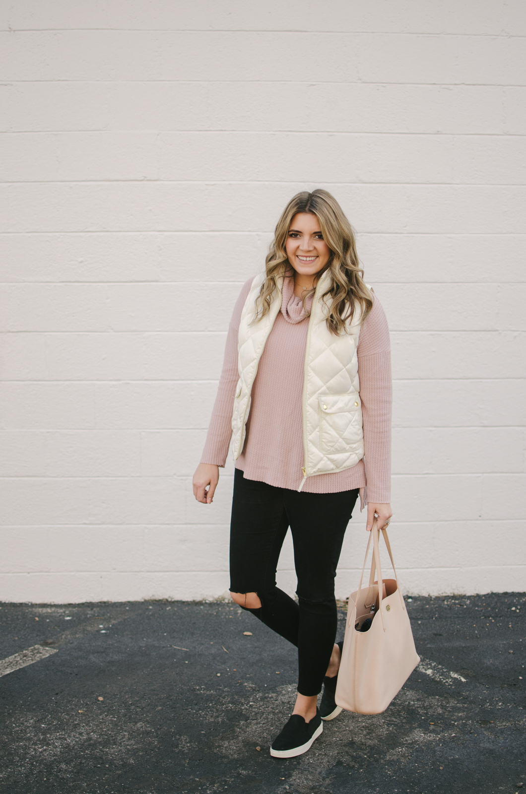 white puffer vest outfit - how to wear a puffer vest | shop this look or see more winter outfits at bylaurenm.com!