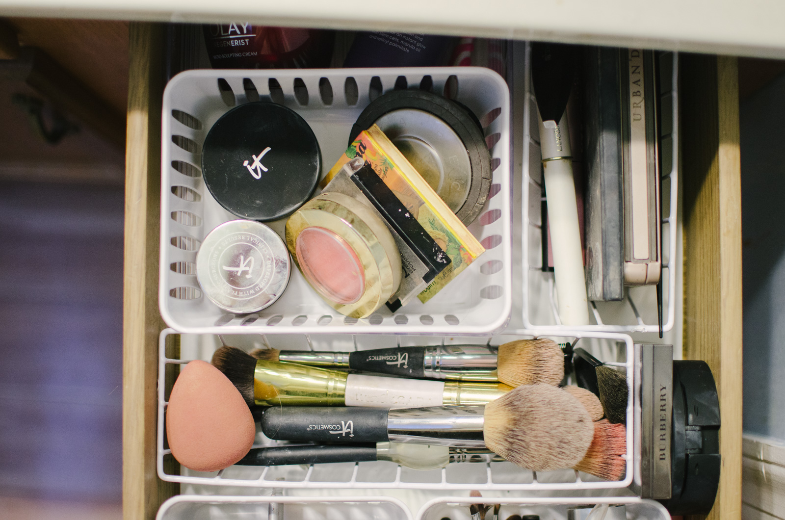 dollar store makeup drawer makeup organization | Come see how to quickly and easily organize your makeup drawer for less than $5! bylaurenm.com