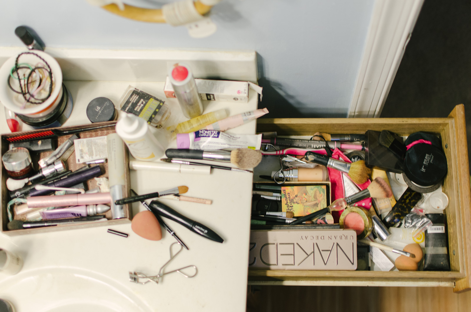 DIY makeup drawer organization - dollar store makeup drawer organization | Head to bylaurenm.com to see the after!
