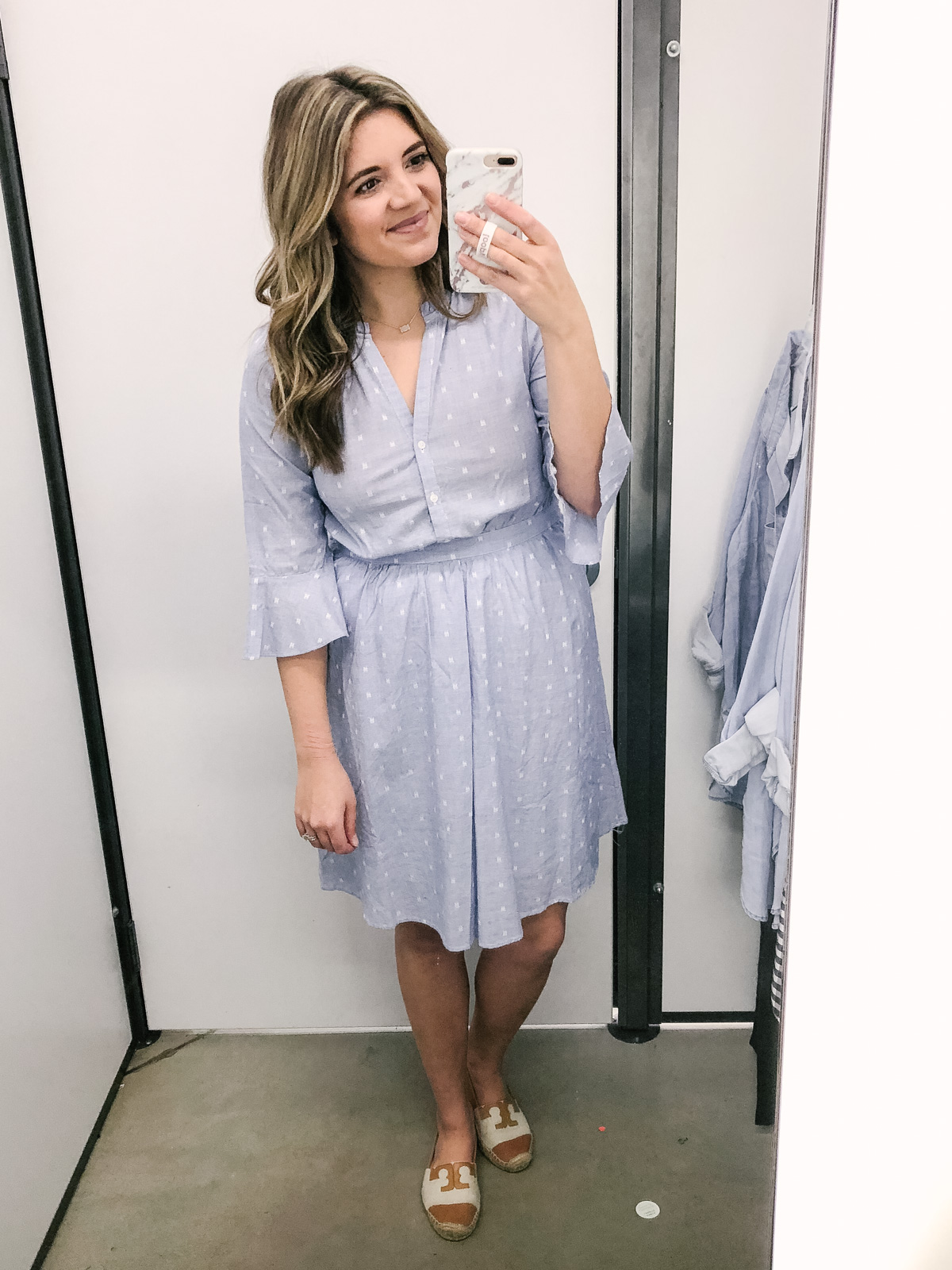 Old Navy spring 2018 try-on session | See the full try-on session + Old Navy spring reviews at bylaurenm.com!