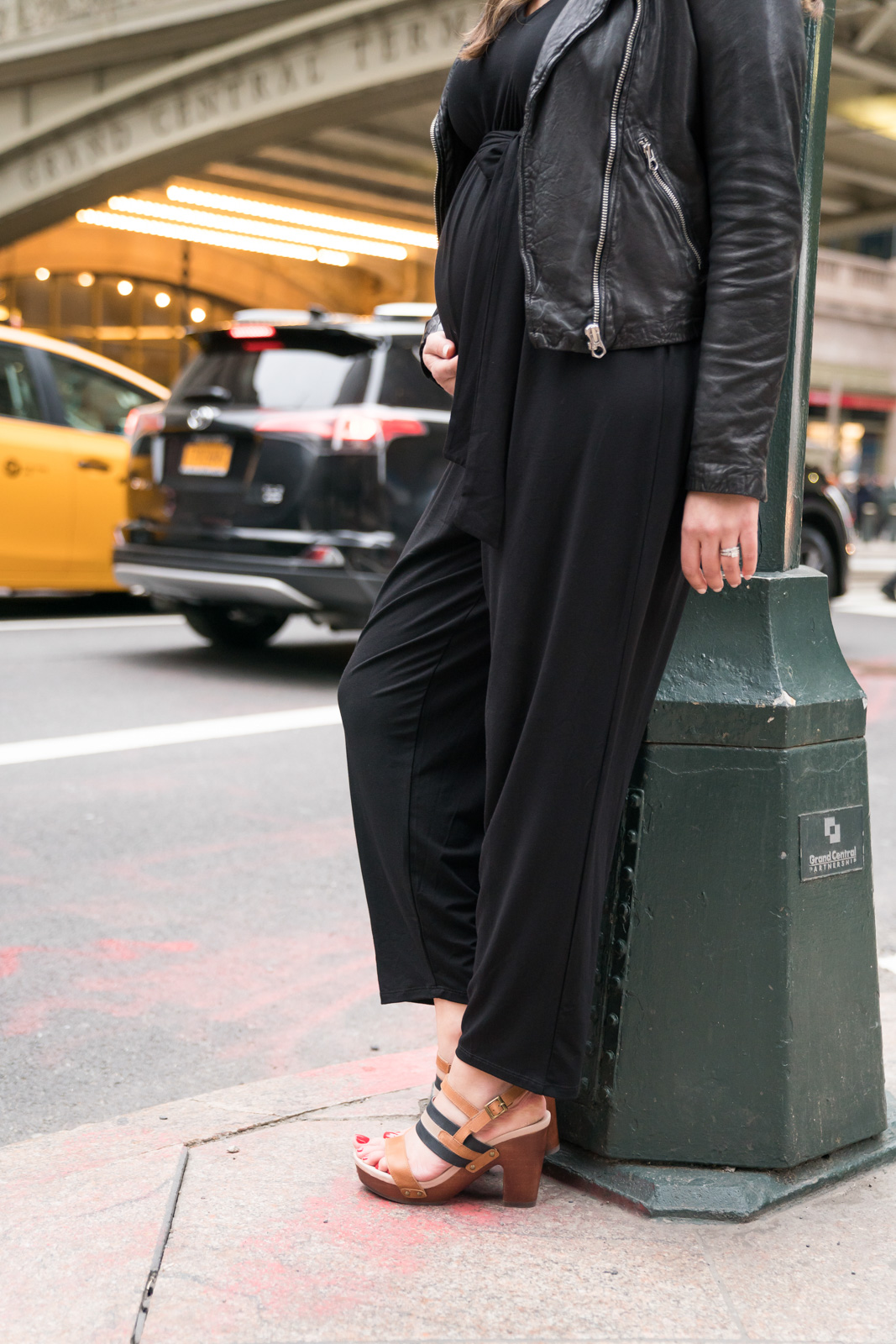 maternity jumpsuit outfit - how to wear jumpsuit pregnancy | | Read all about my NYC blogger trip experience with Jambu Shoes + Good Housekeeping at bylaurenm.com!