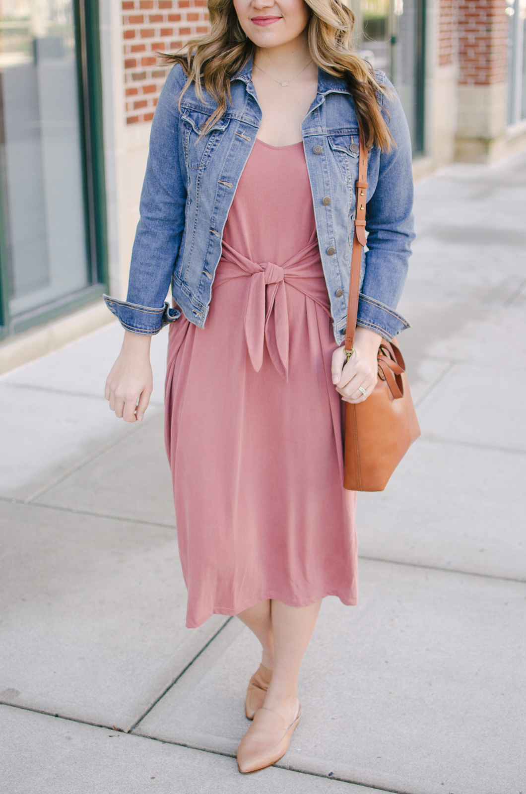 how wear a midi dress | Get outfit details for this spring midi dress outfit or see more cute spring outfit ideas at bylaurenm.com!