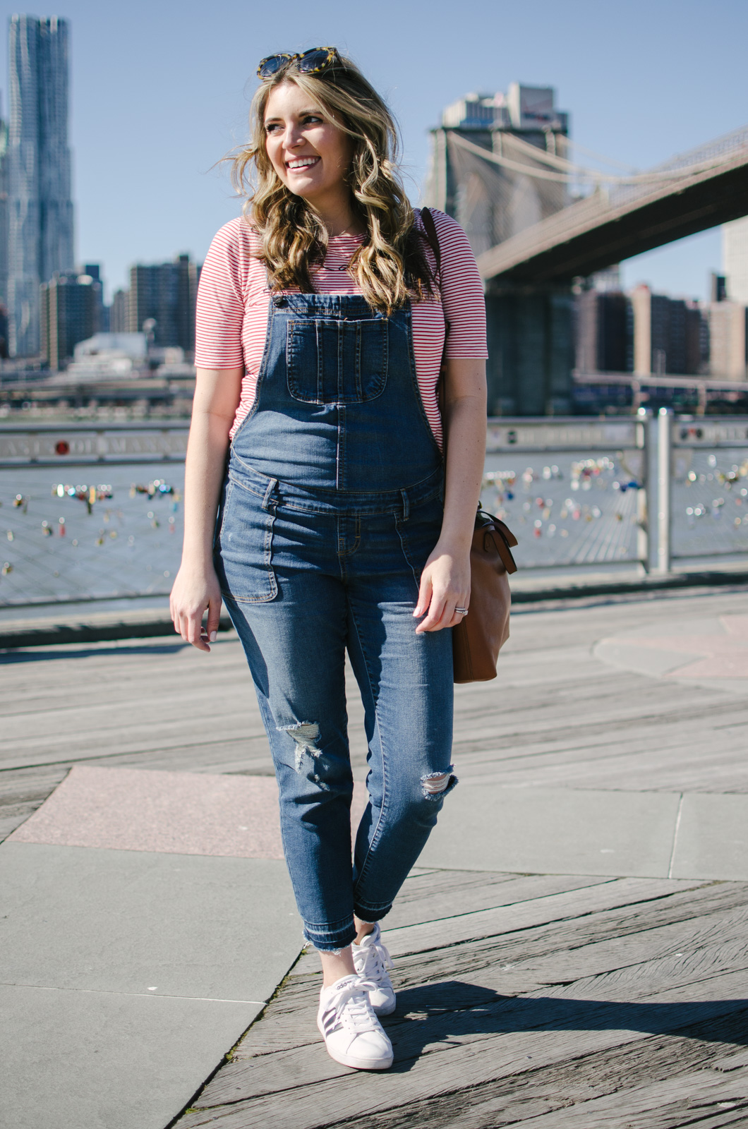 maternity overalls outfit - how wear overalls while pregnant | bylaurenm.com
