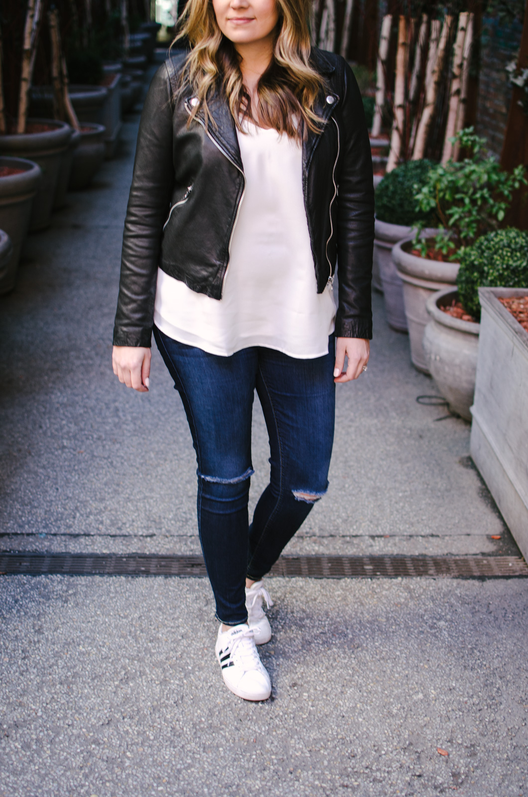 leather jacket casual outfit idea - how wear leather jacket spring | bylaurenm.com