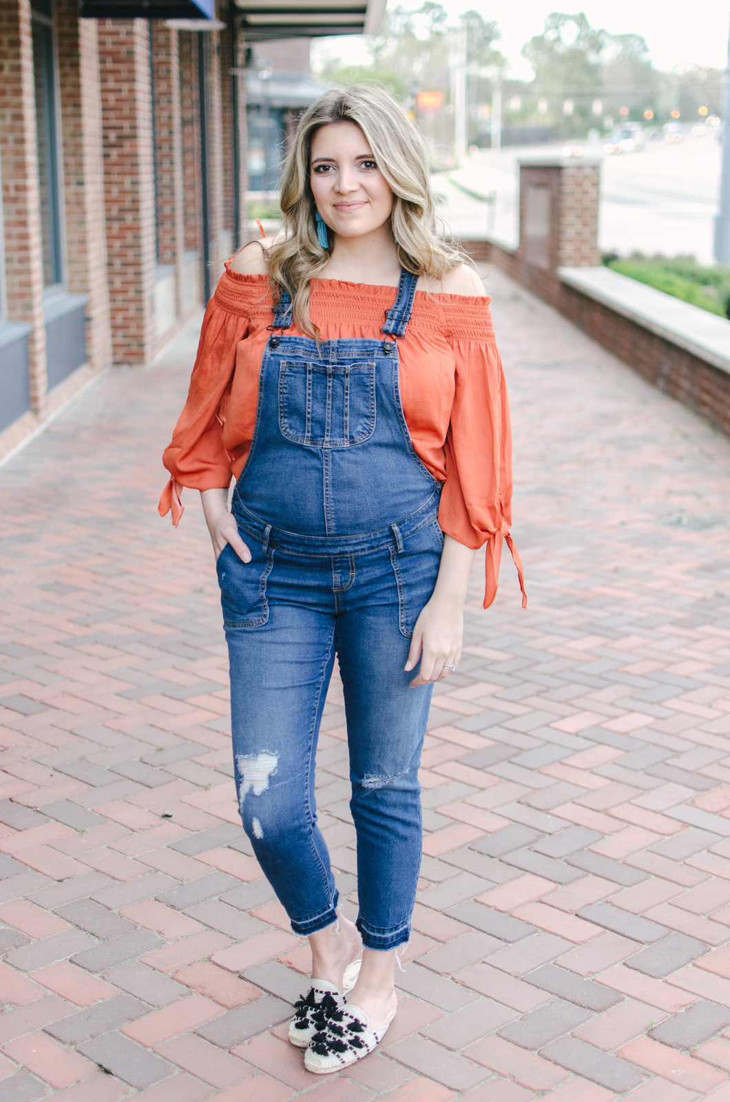 spring overalls outfit pregnancy - how wear overalls during pregnancy spring | bylaurenm.com