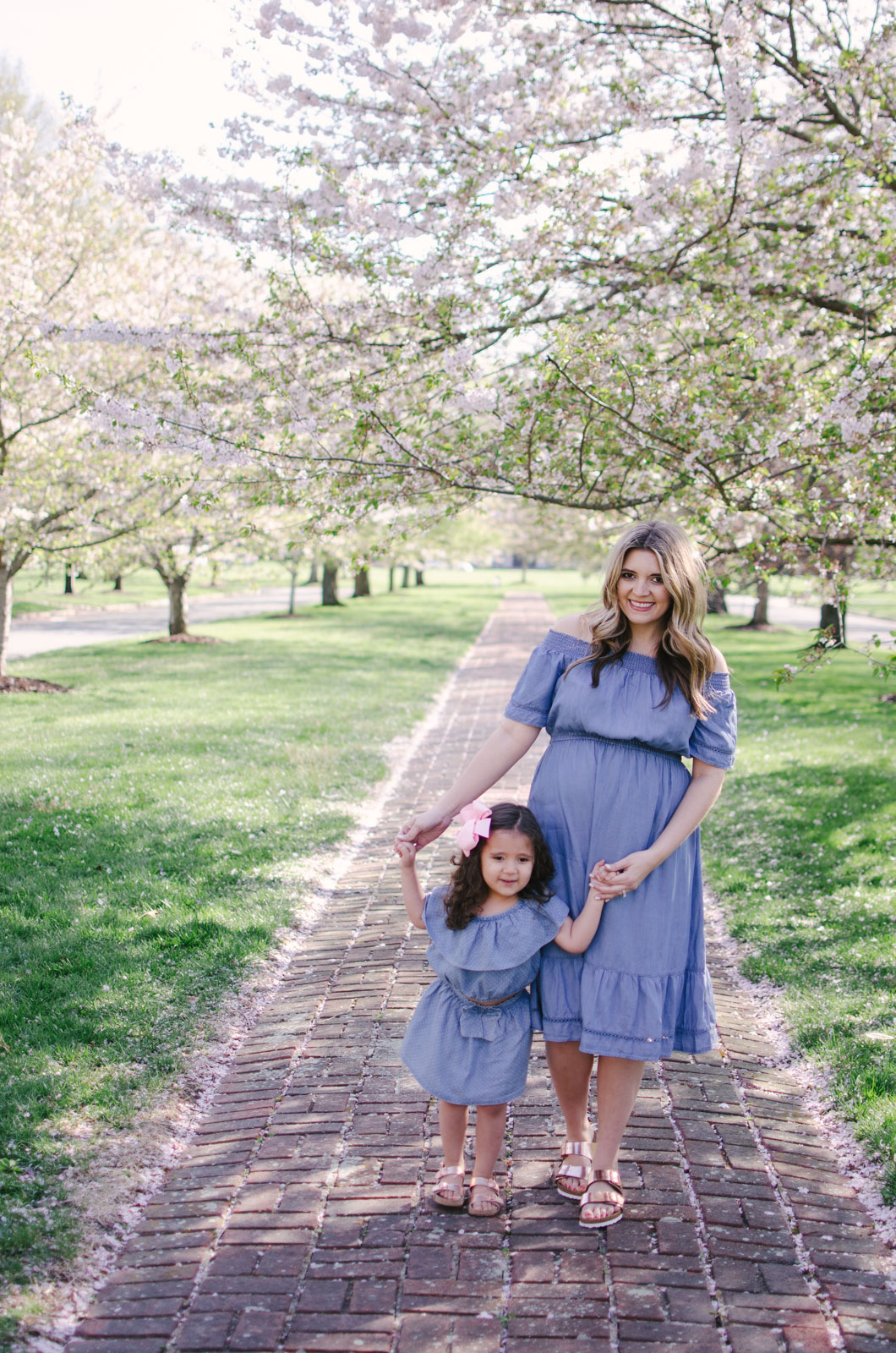 mommy and me matching spring outfits - spring mommy and me chambray dresses | For more mommy and me outfits, see bylaurenm.com!